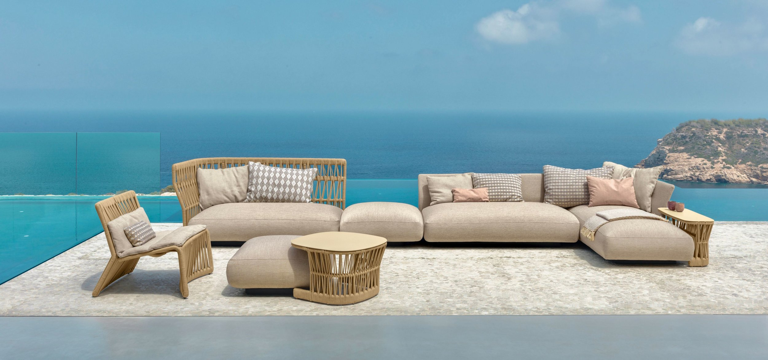 Outdoor sofas - armchairs - ottomans - coffee tables