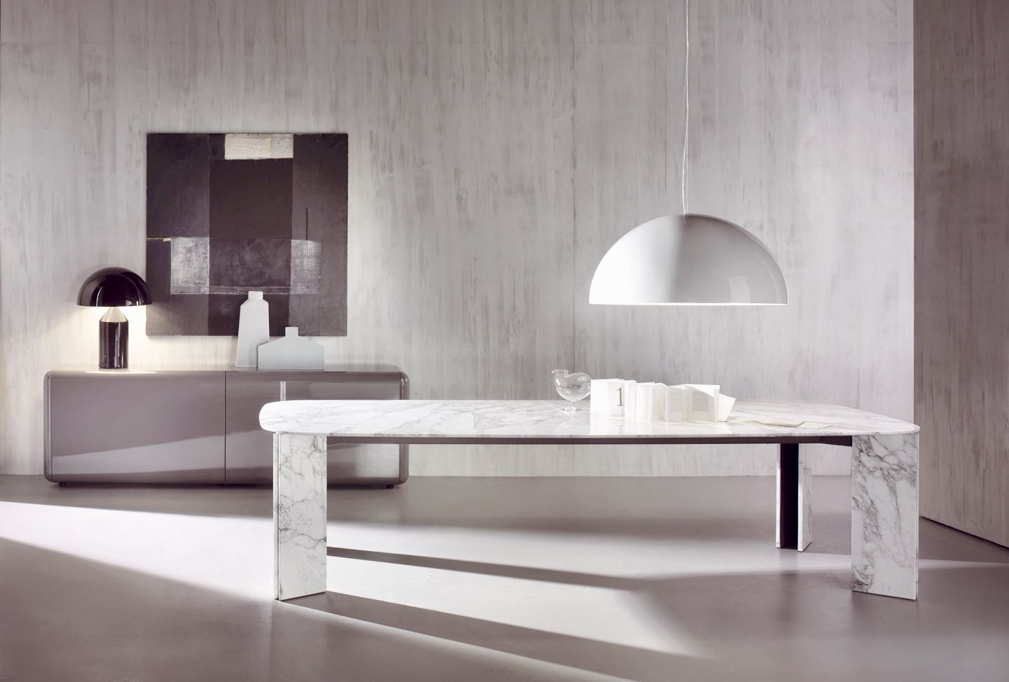 Dining room tables - pendant lamps - sideboards