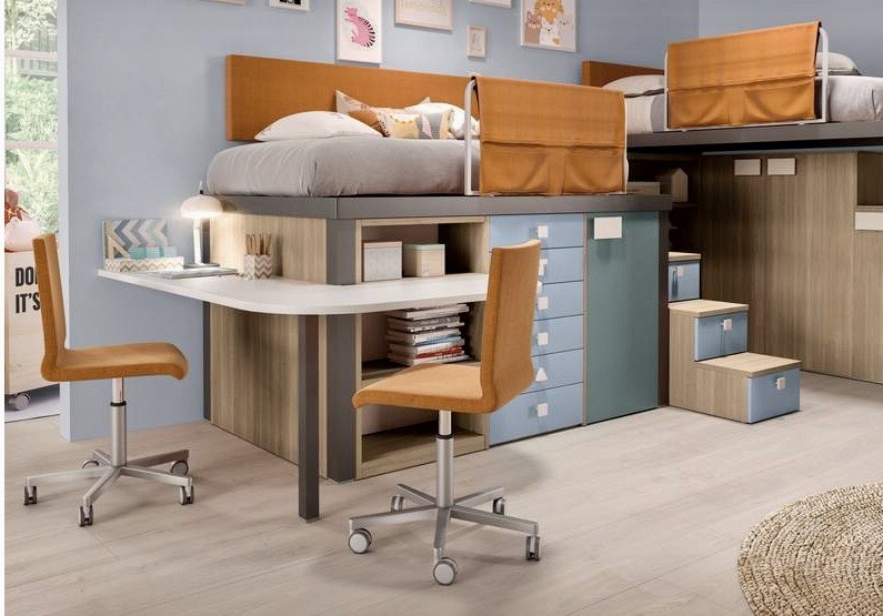 Living room - bunk-beds - desk - chairs