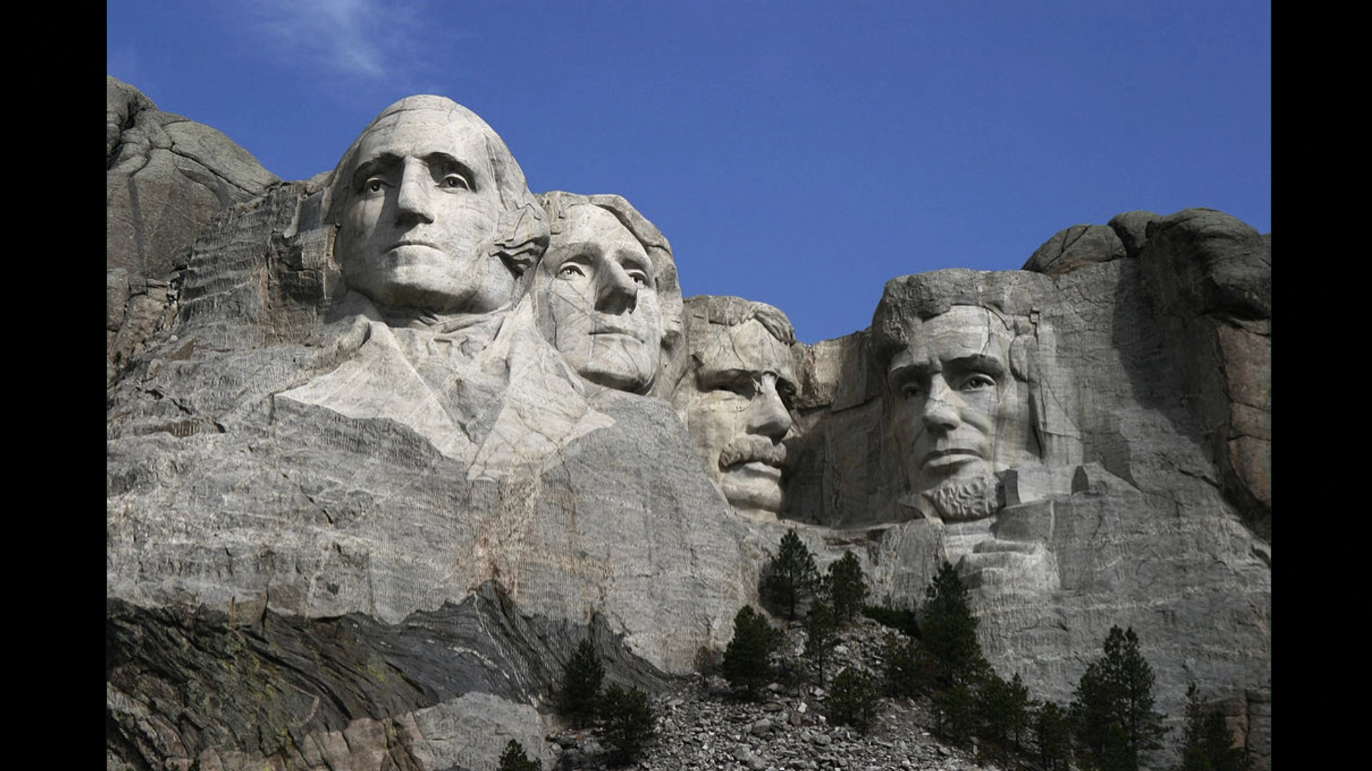 The façade on Mount Rushmore