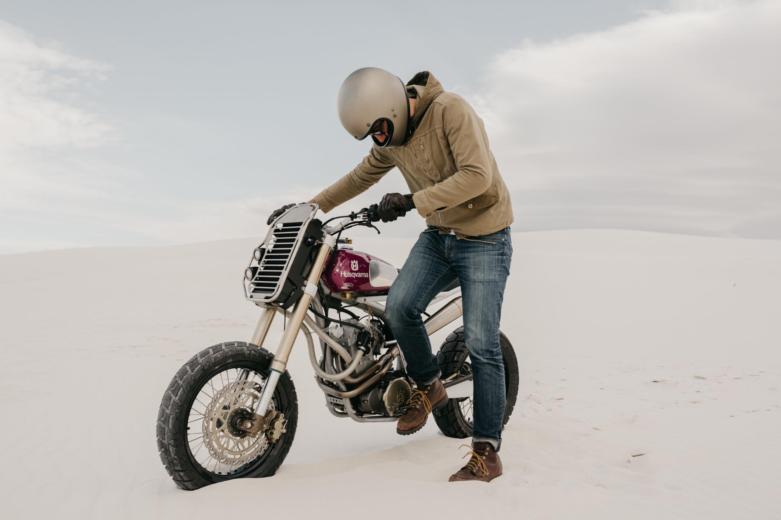 Moto-Mucci_Husqvarna_570_White_Sands (2).JPG