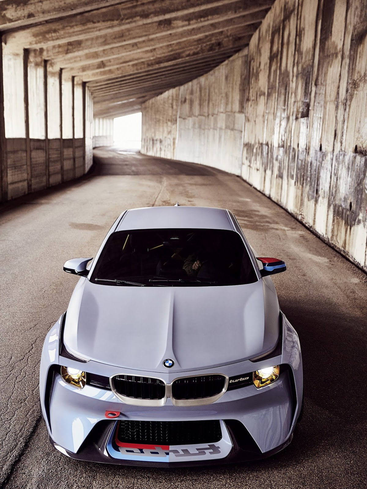 BMW-2002-M2-Hommage-4.jpg