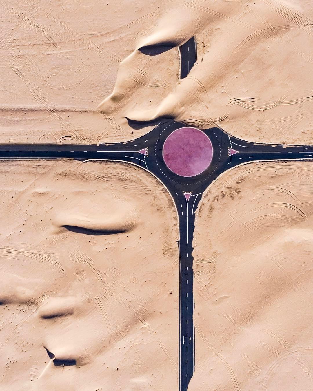 Irenaeus_Herok_Sandswept_Dubai_Highways_Moto-Mucci (5).jpg