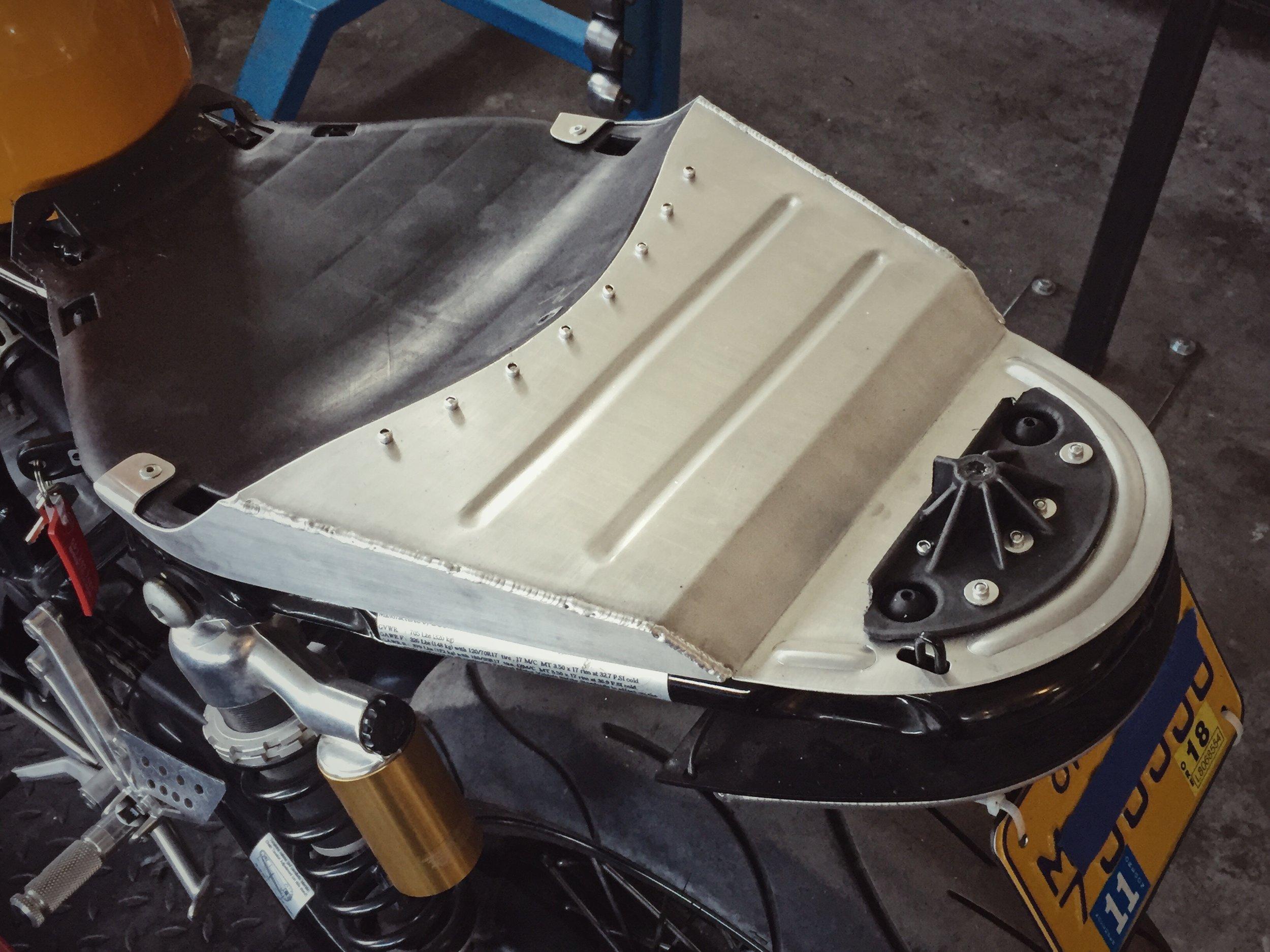 Moto-Mucci_Custom_Ducati_Sport_Classic_Seat (9).JPG