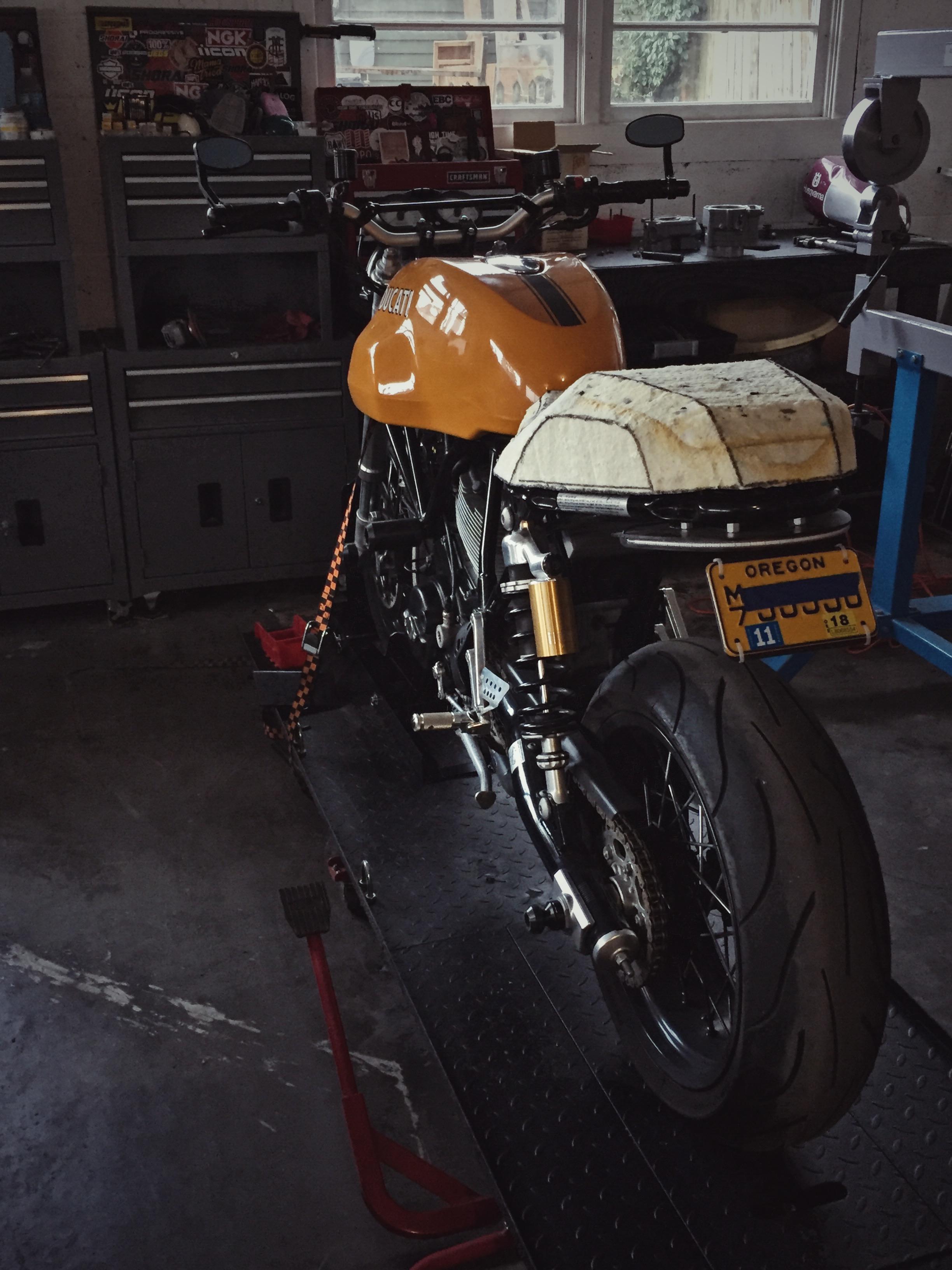 Moto-Mucci_Custom_Ducati_Sport_Classic_Seat (31).JPG