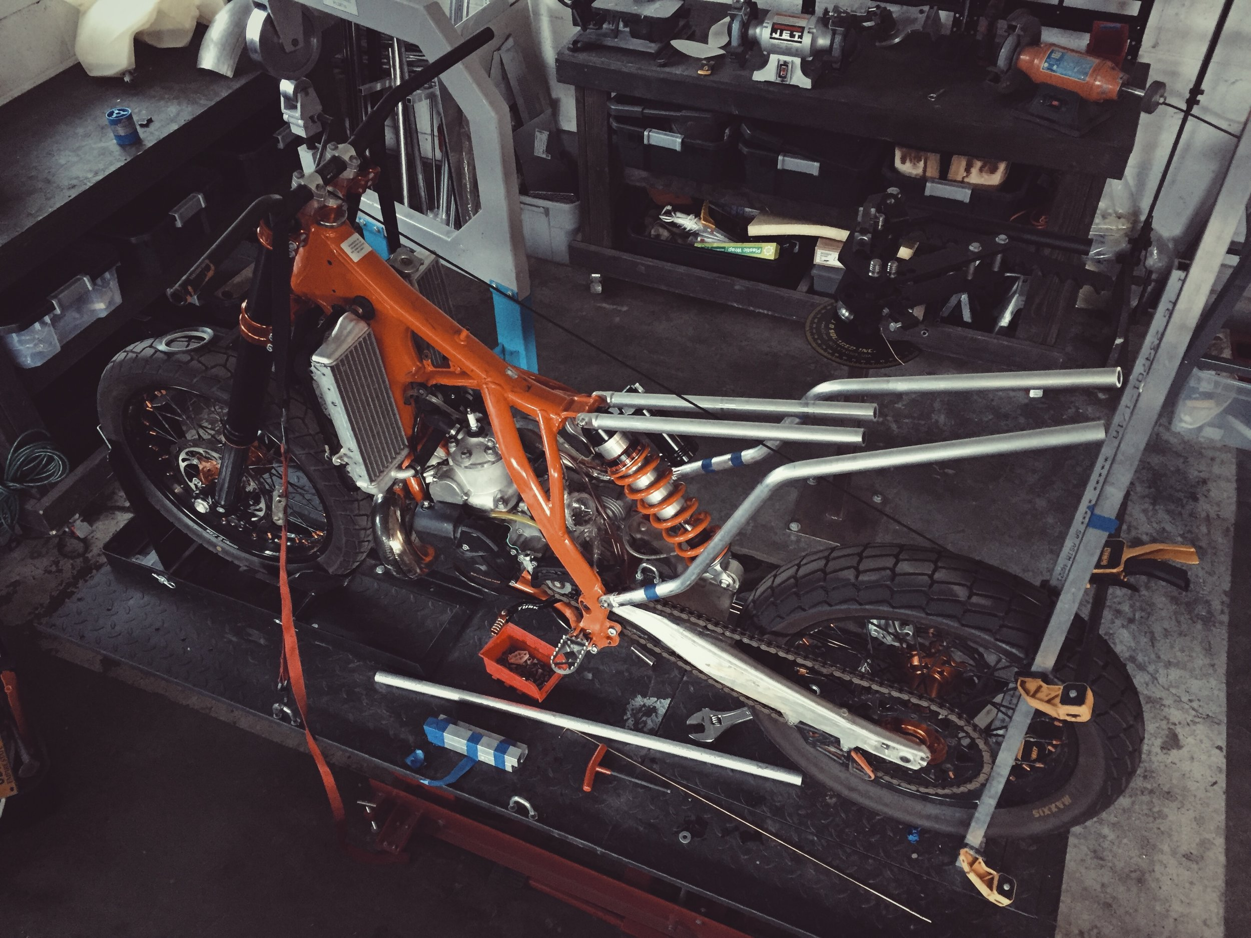 Moto-Mucci_Custom_KTM_300_Build (9).jpg