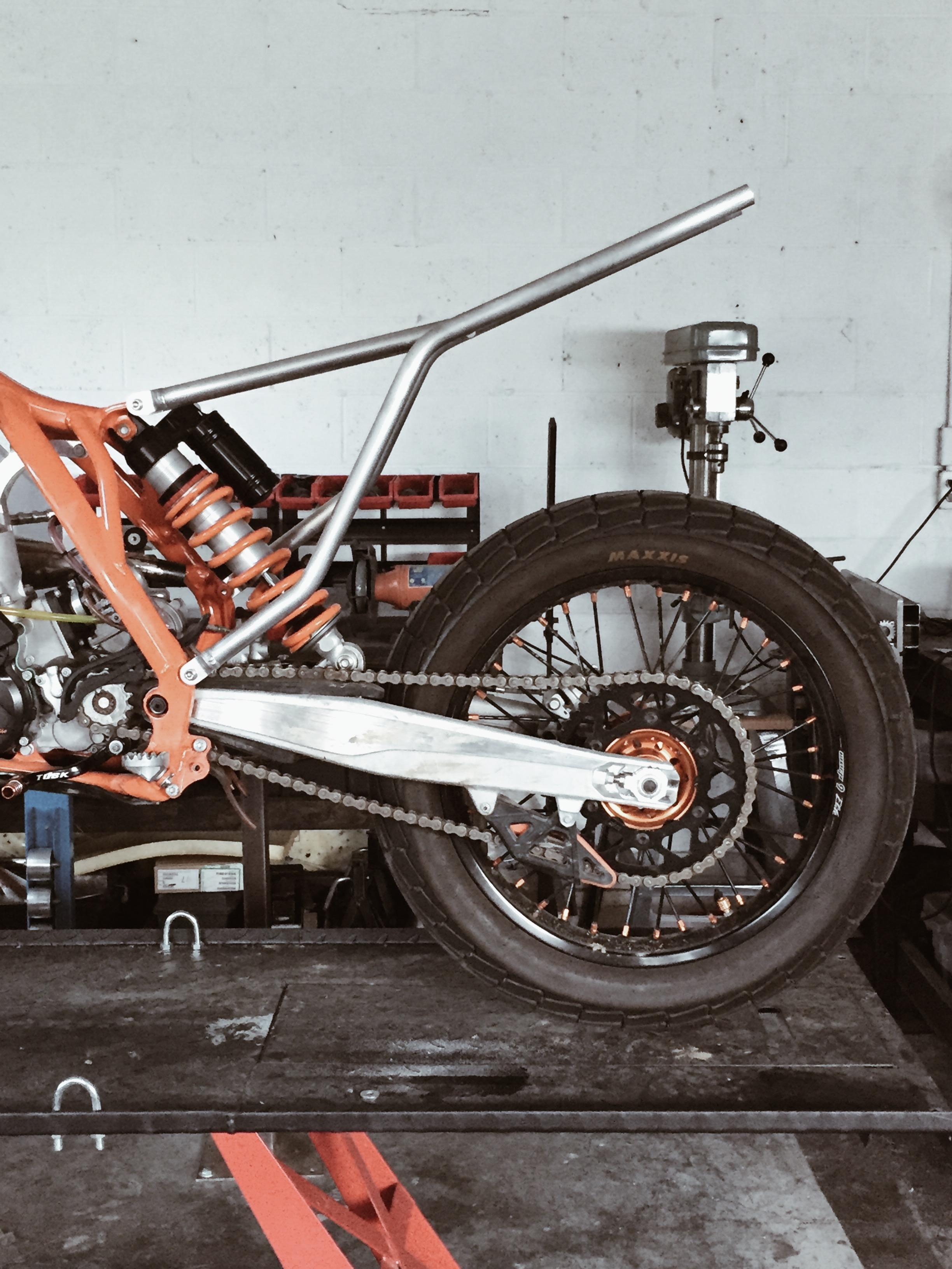 Moto-Mucci_Custom_KTM_300_Build (25).jpg