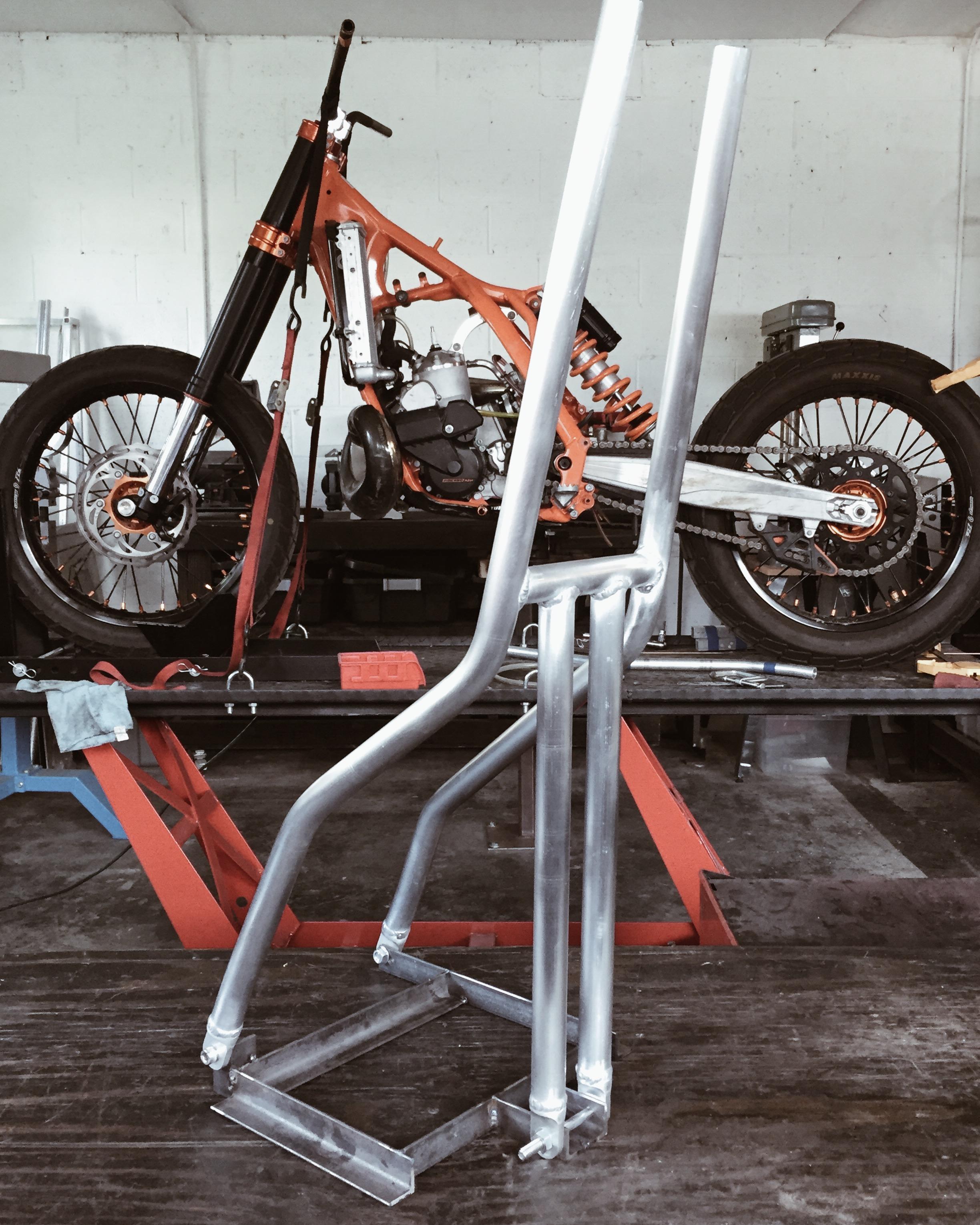 Moto-Mucci_Custom_KTM_300_Build (27).jpg