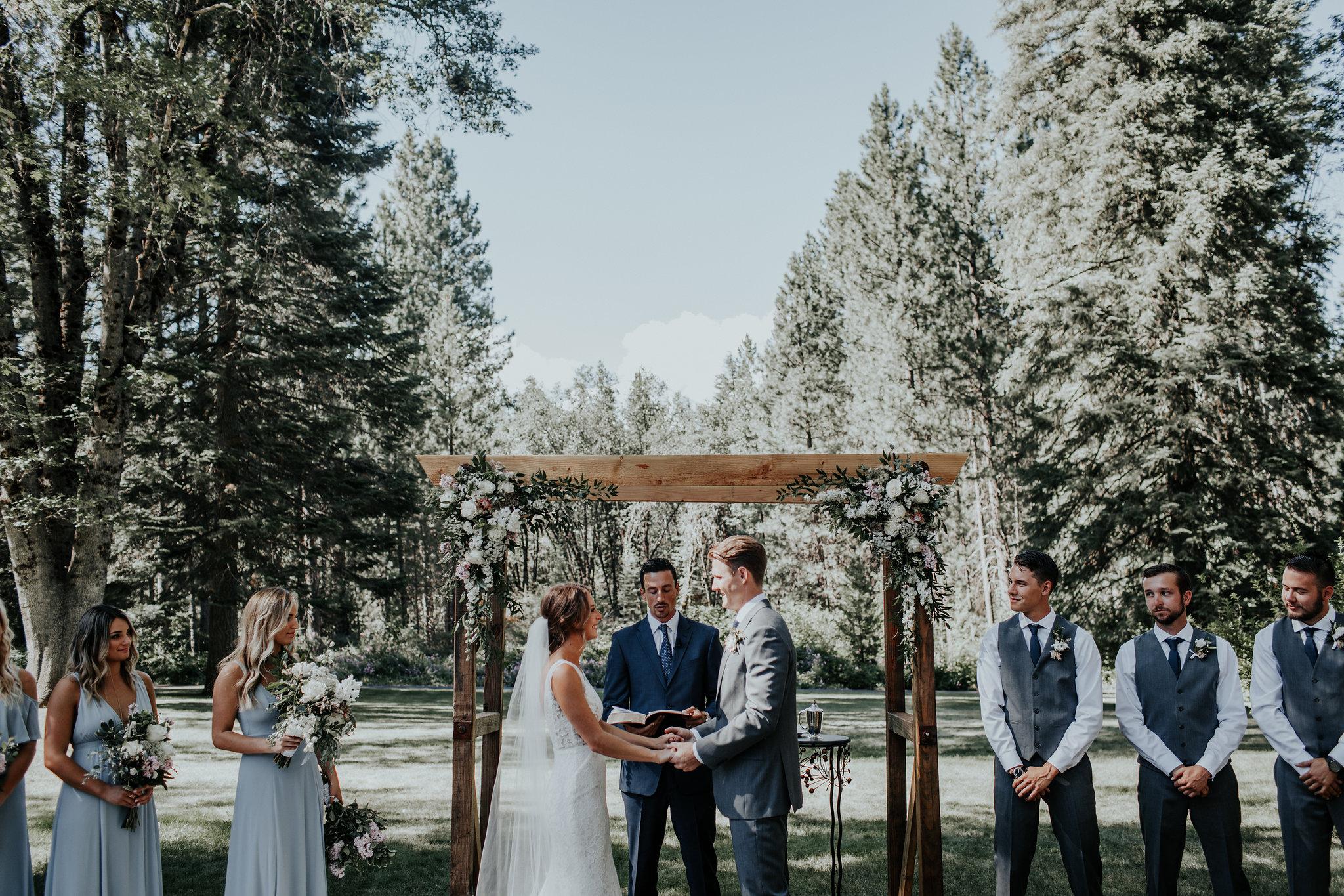 hannah-merritt-photography-porter-wedding-mccloud-guest-house-mt-shasta-california-531.jpg