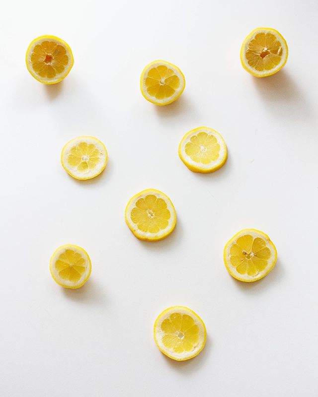 What are you doing with the lemons life is giving you?!🍋 ⠀⠀⠀⠀⠀⠀⠀⠀⠀ We always remind our clients that if it doesn't challenge you, it doesn't change you. The habits you struggle with most are the biggest opportunities you have to see change. ⠀⠀⠀⠀⠀⠀⠀⠀⠀ Discover your opportunities in our next online course {link in our bio}, starting August 5th! ⠀⠀⠀⠀⠀⠀⠀⠀⠀ p.s. @themeganwalker turns lemons into beautiful photos📸 ⠀⠀⠀⠀⠀⠀⠀⠀⠀ #makelemonade #peptalk #tuesdayinspo