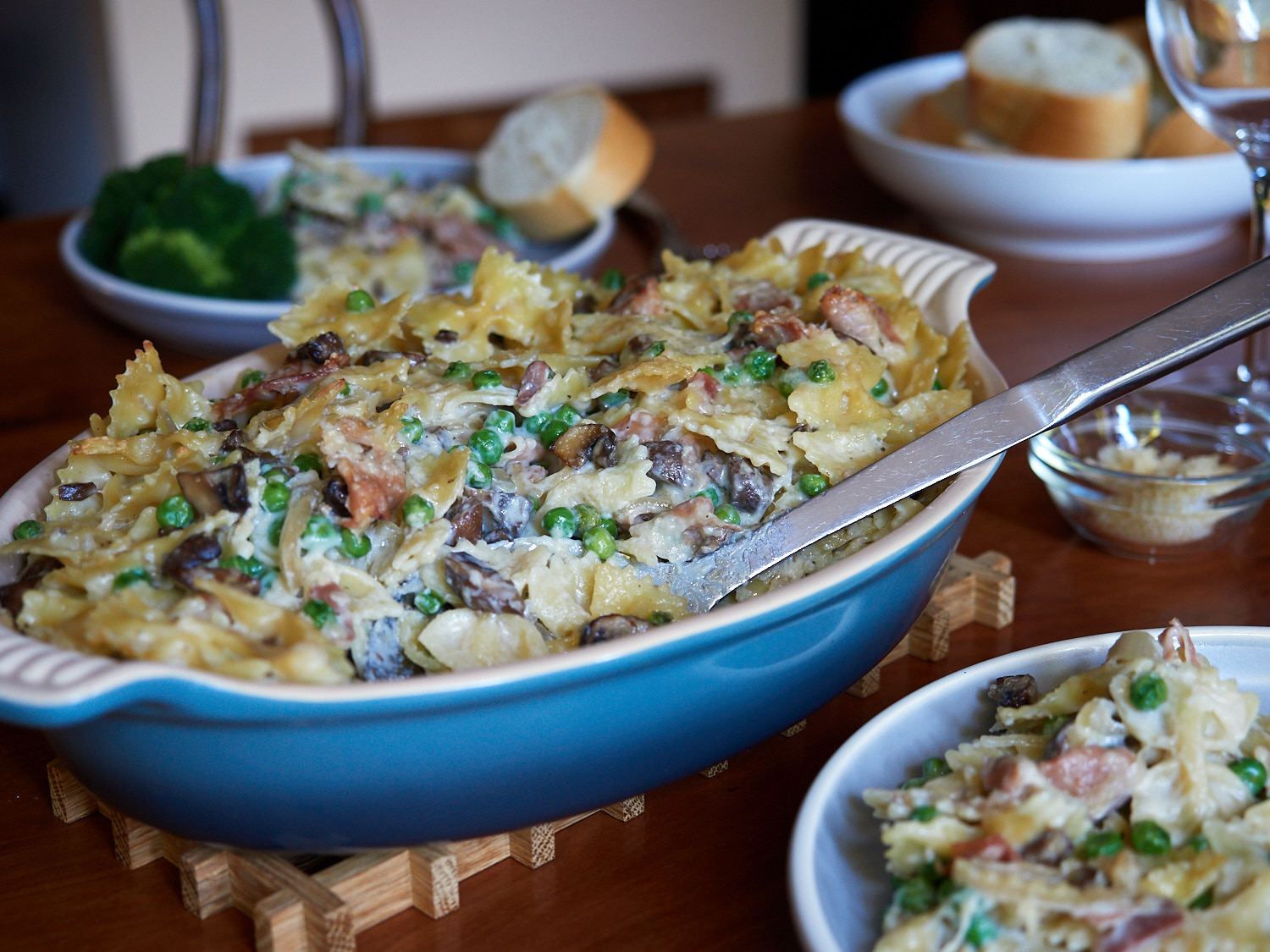 Farfalle with Mushrooms, Prosciutto and Peas
