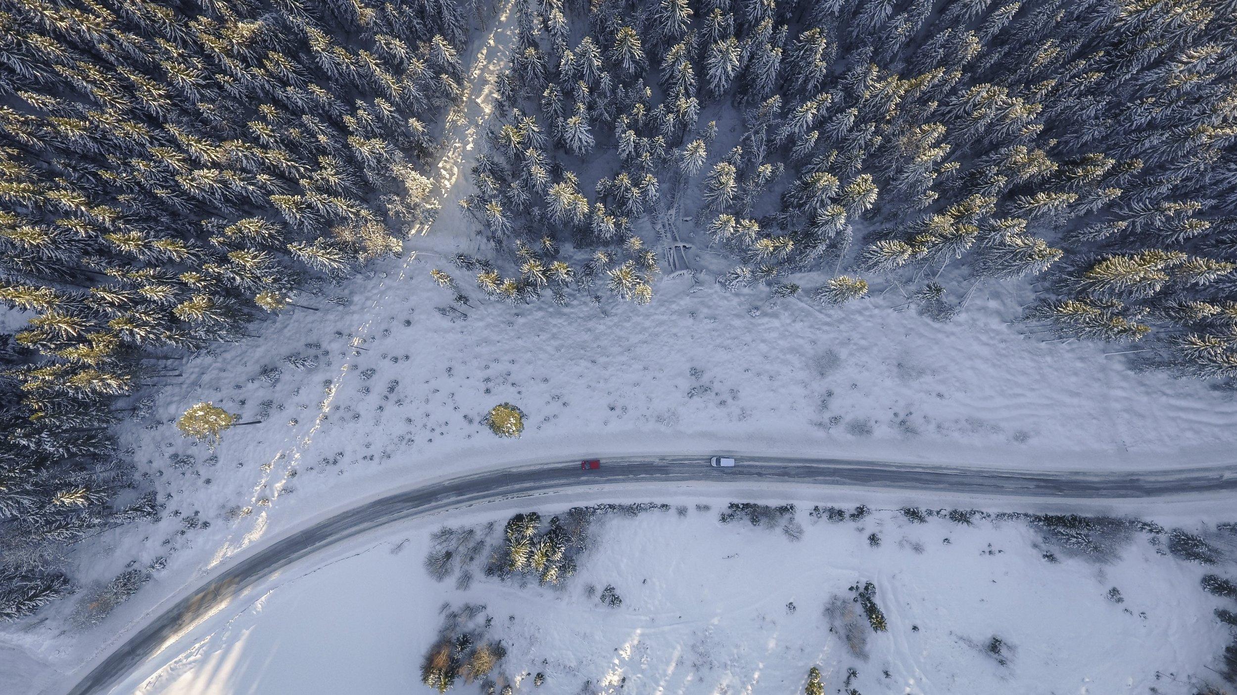 above-adventure-aerial-335046.jpg