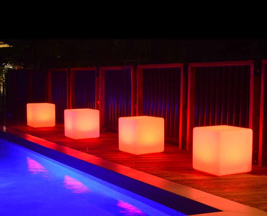 Illuminated-Cubes-LED.jpg