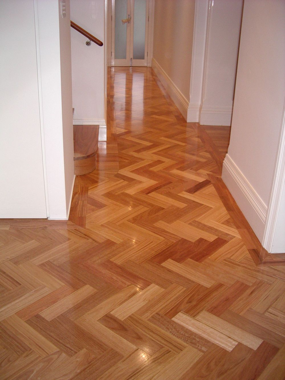 20140324043417221_website_parquetry_Blackbuttparquetryinherringbone130.jpg