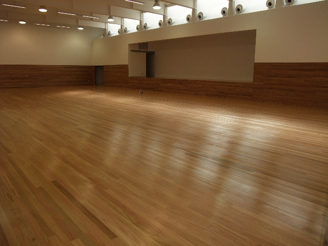 20140324043417221_website_sports-floors_TongueGroovedBlackbuttsprunggymnasiumfloor2130.jpg
