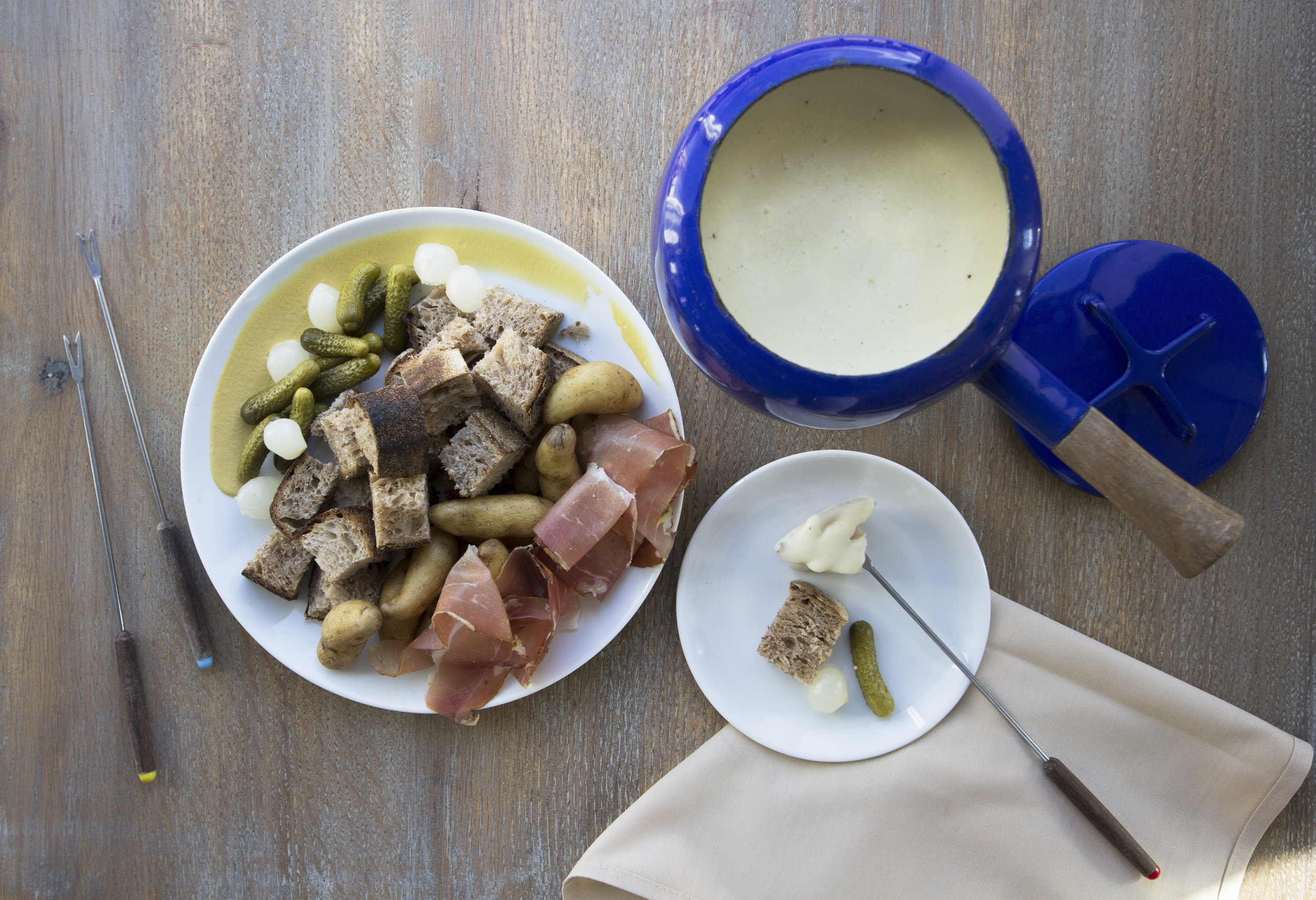 fondue set.jpg