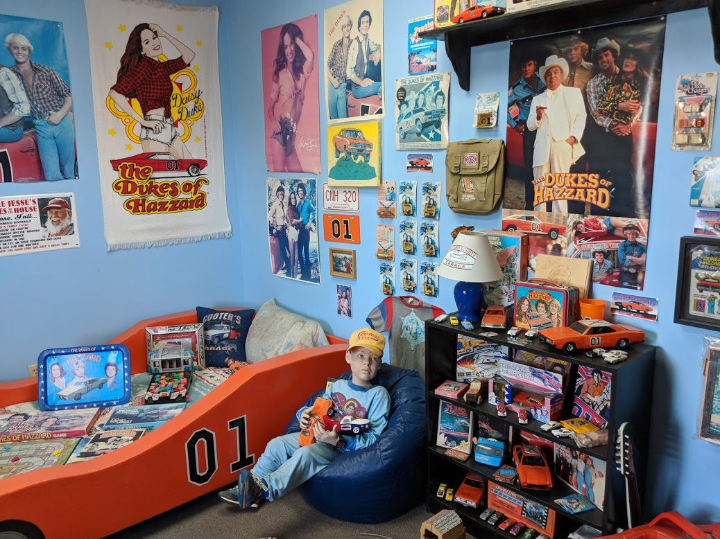 Dukes of Hazzard dream bedroom, complete with creepy kid who undoubtedly had his very first sexual feelings about Daisy Duke.