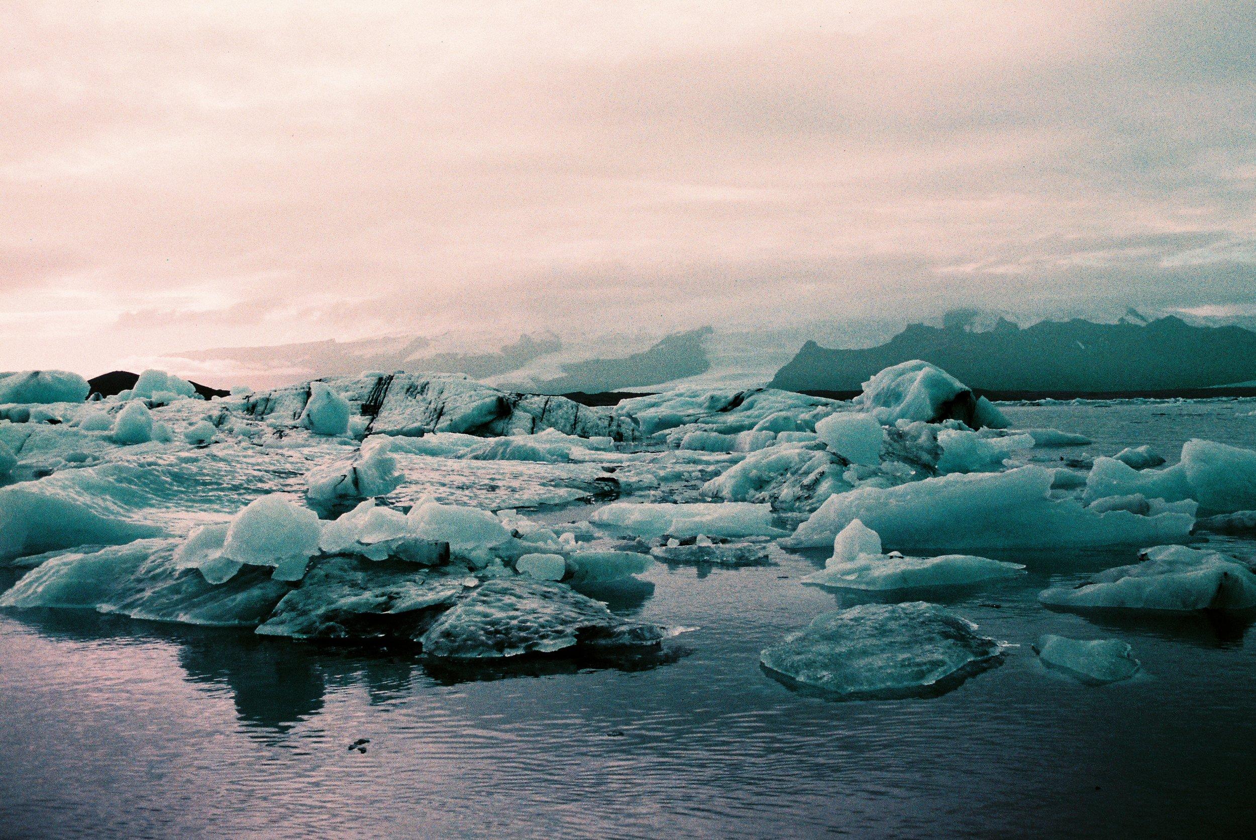 05 - Float On - Jokulsarlon Glacier Lagoon.jpg