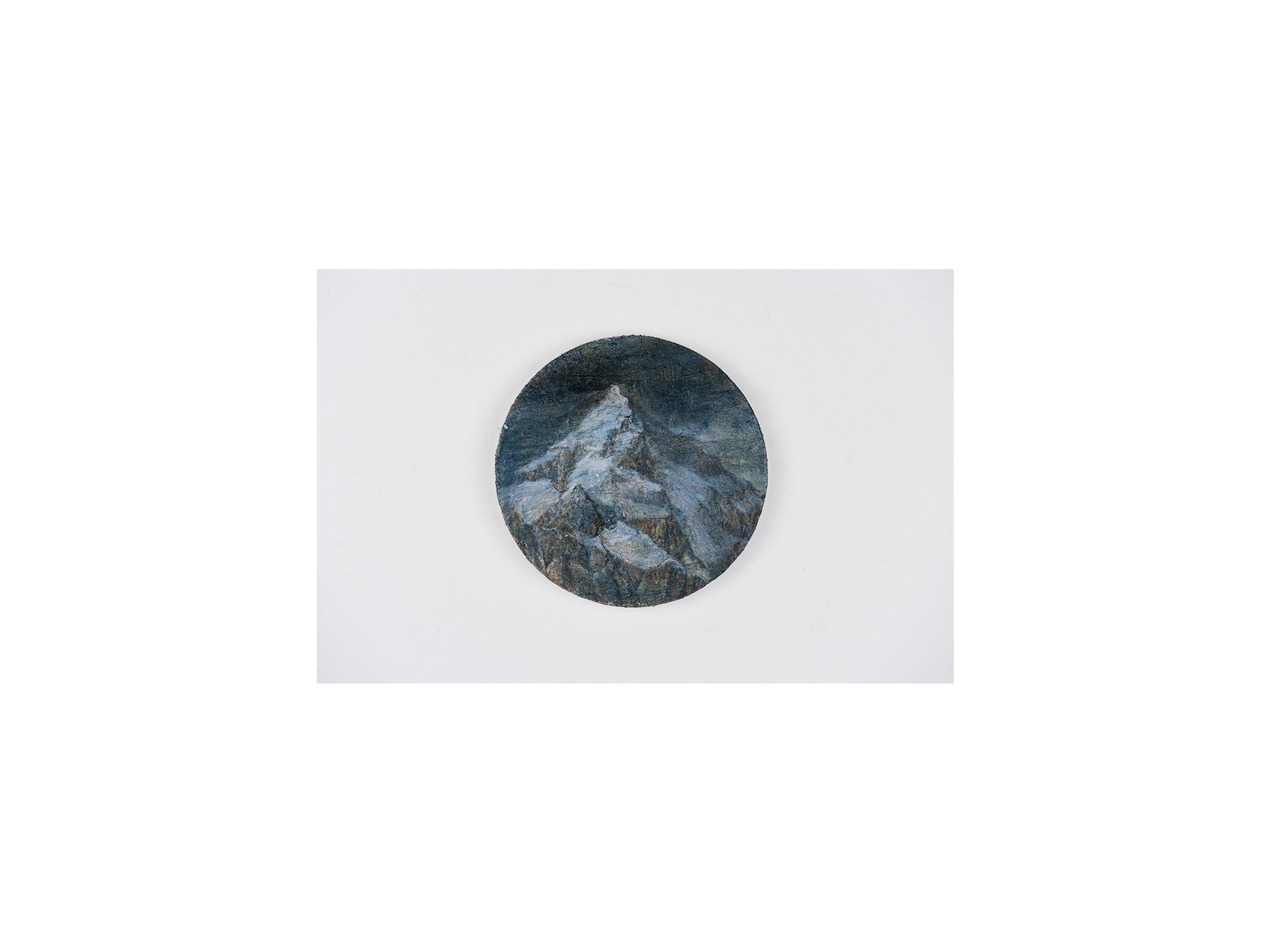 Sarah Tomasetti   Unknown Peak XV , 2017-2018 oil and encaustic on fresco plaster diameter: 13.5cm