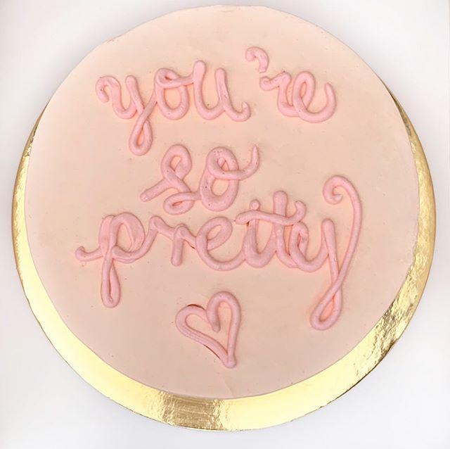 you're so pretty... #missmollyscakes #melbournecakes #yoursoprettycake