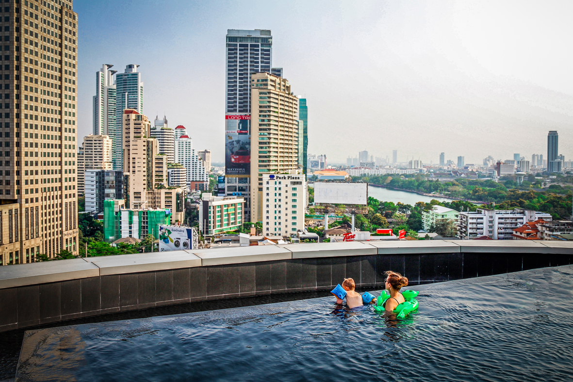 Reizen kinderen Thailand Bangkok -  Grande Centre Point Terminal 21- infinitypool.jpg
