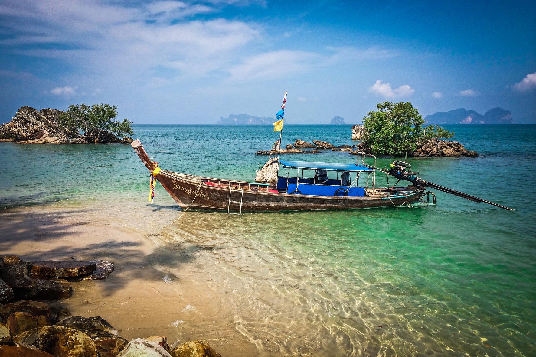Reizen met Kinderen Thailand Long Tailboat.jpg