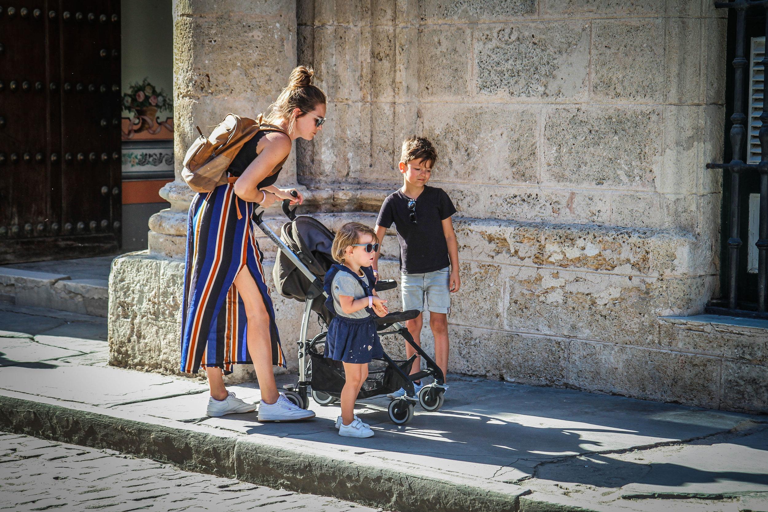 rondwandelen met kinderen in havana