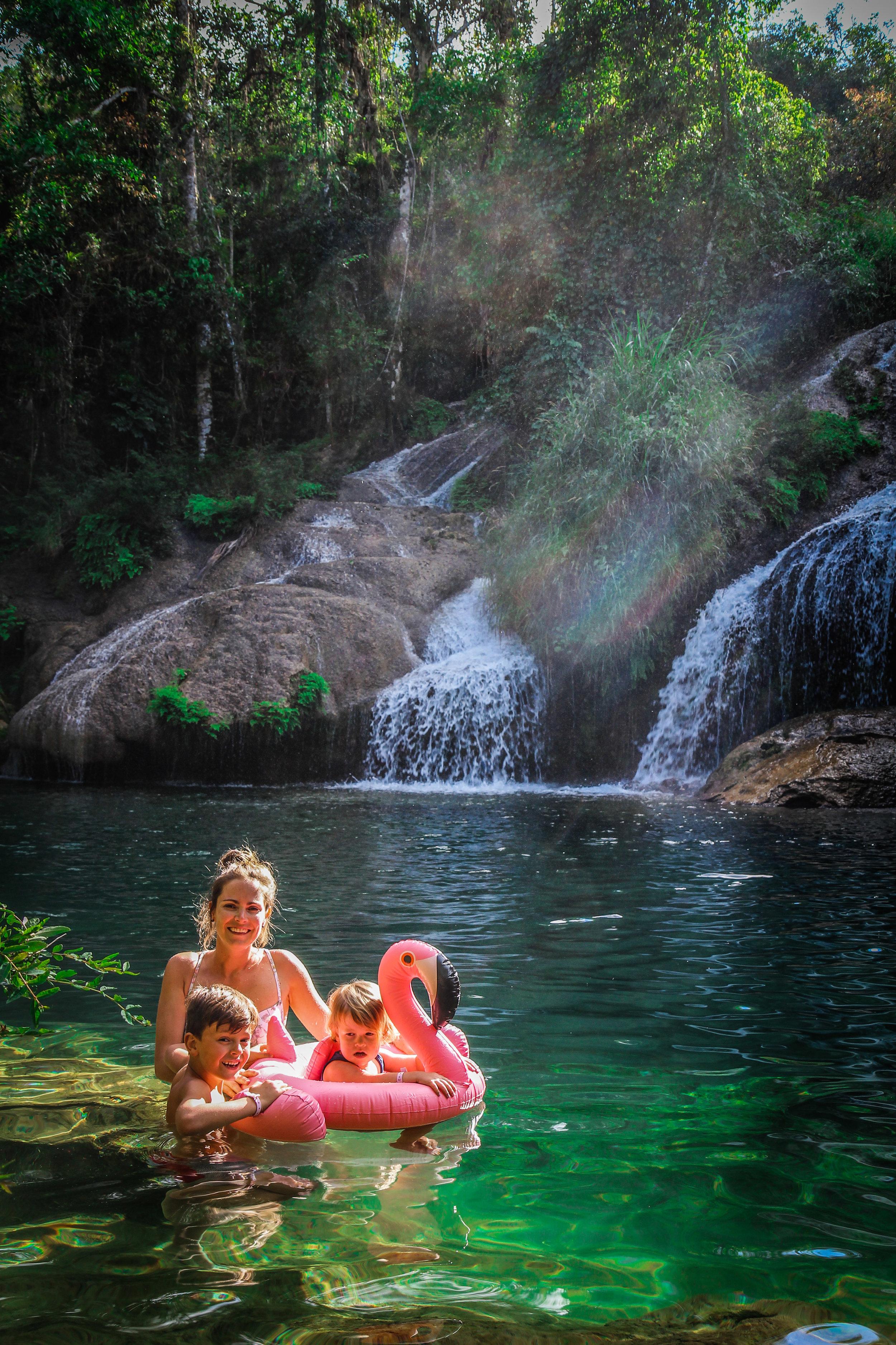Familie foto cuba watervallen