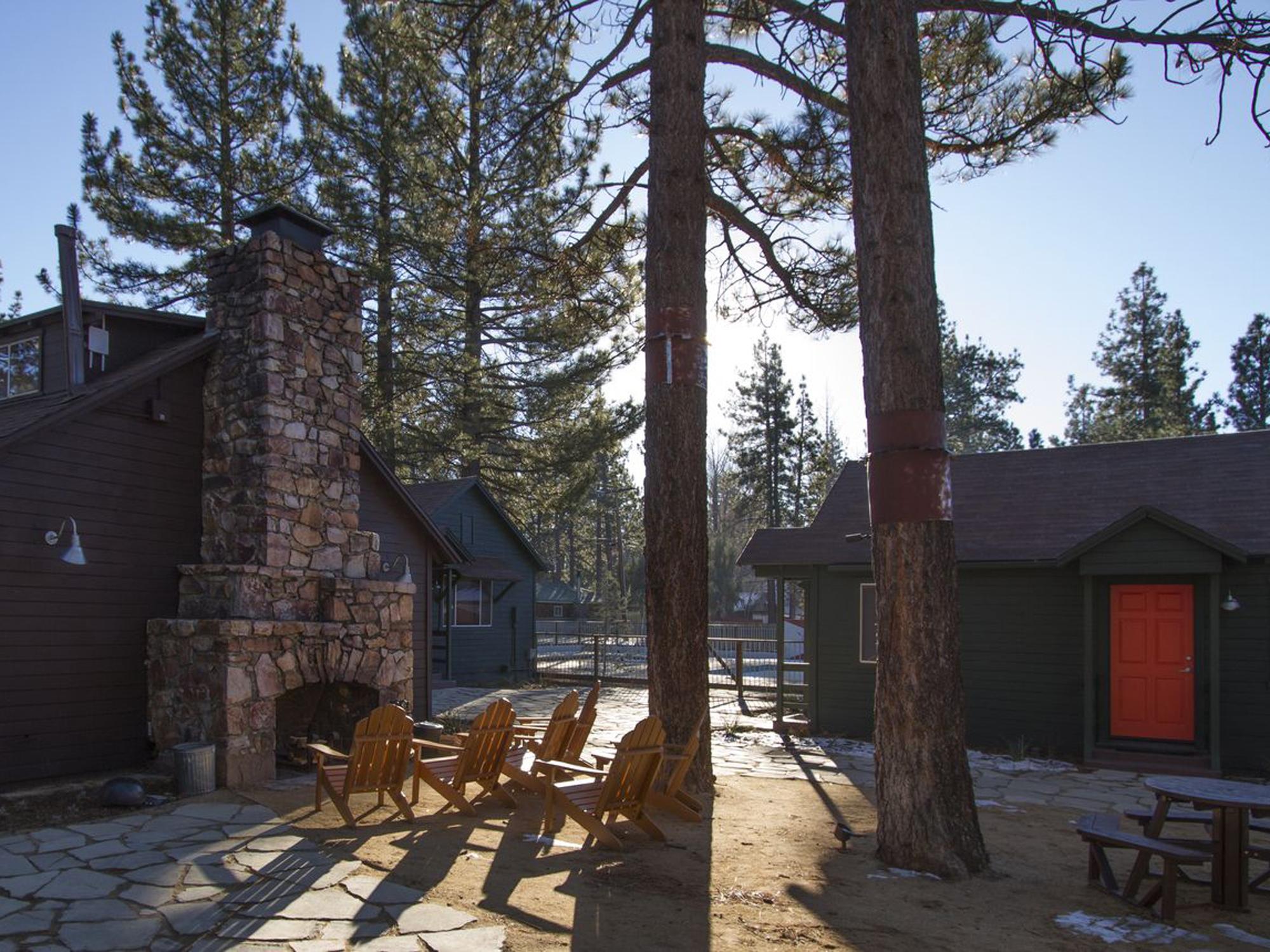 Noon Lodge Big bear2.jpg