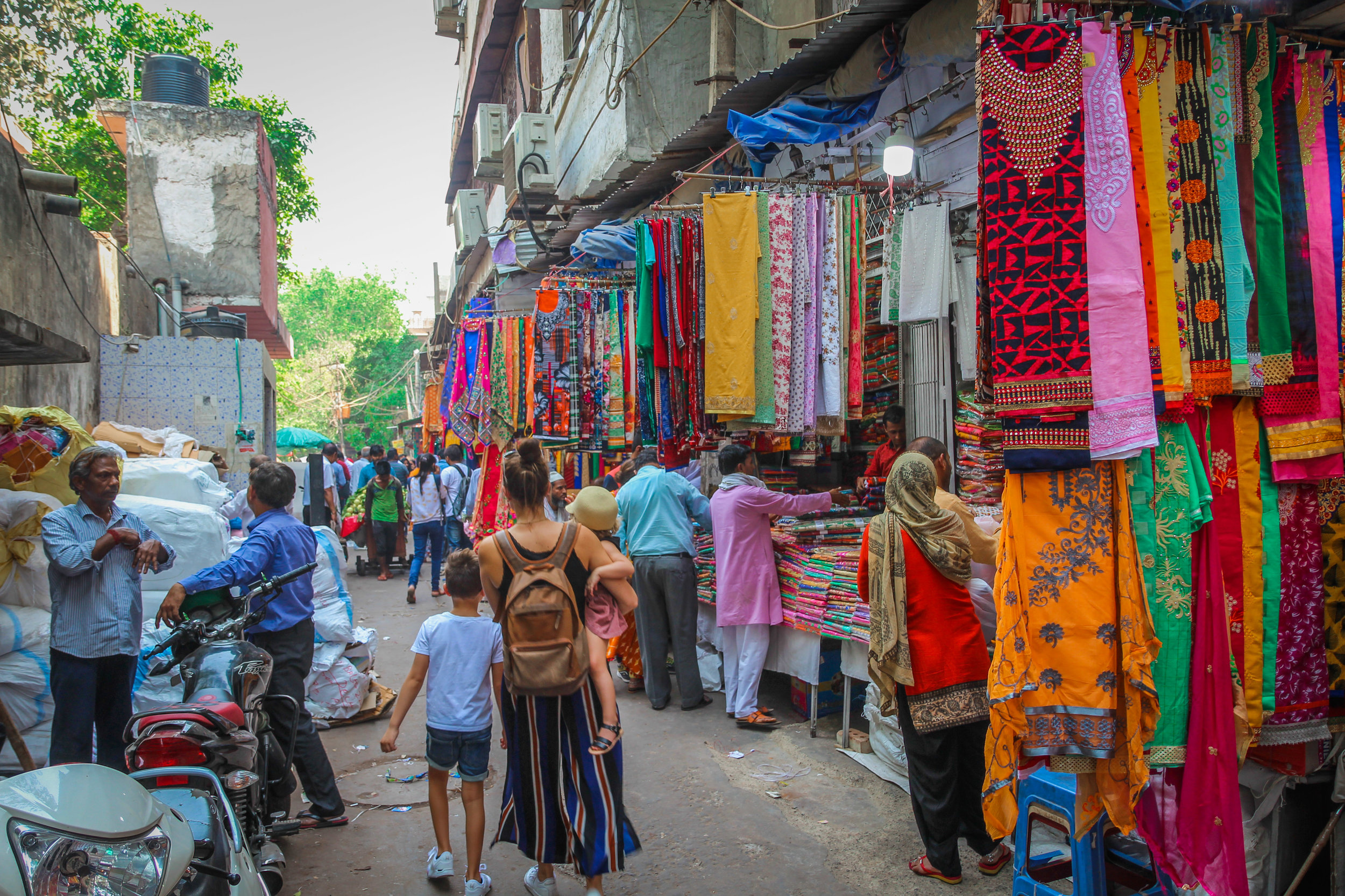 withkidsontheroad_chandni_chowk_india-2.JPG