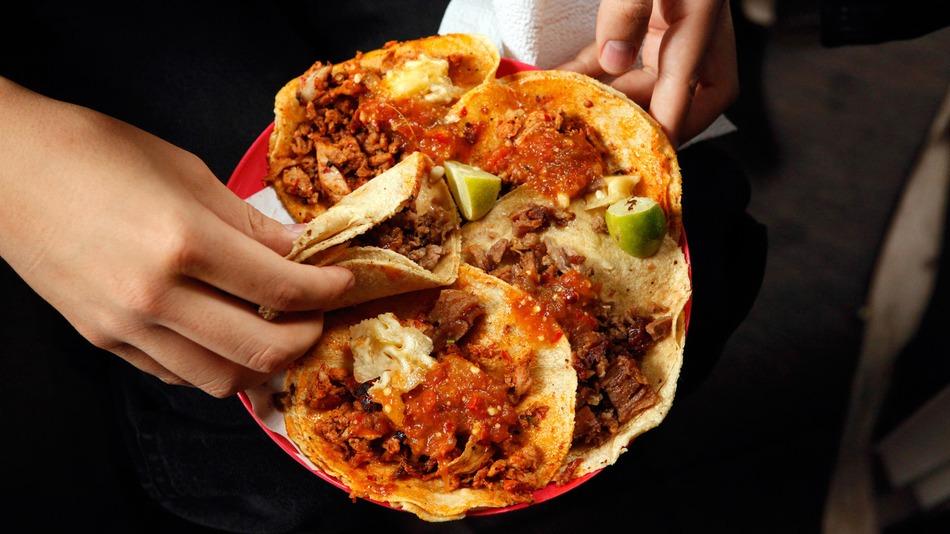 tacos eating.jpg