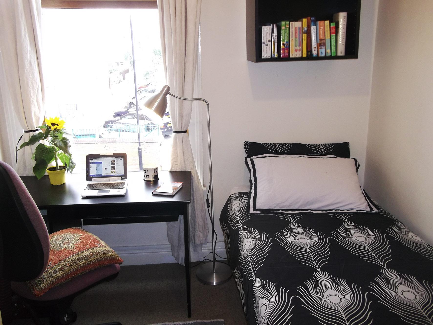 Moor St single bed.jpg