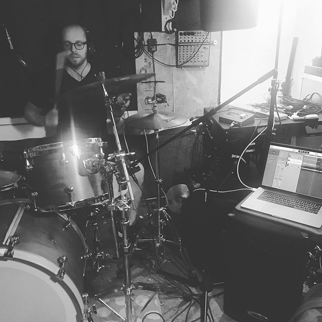 @joseph____manuel with the ol bundle sticks and a lil doo-wop for the win #winitwednesday 💯  #wednesday #wednesdayworkout  #songwritingmode #studiovibes #tinyrecordingstudio #musicproduction #musicproducer #tinystudiobigsound #indiemusic #indierock #doowop #bundlesticks #songwritersofinstagram #audioproduction #nycmusicscene #logicprox #universalaudio #brooklynmusic #recordingstudio #universalaudioarrow #nycmusic #brooklynrecordingstudio @warbyparker @audiotechnicausa @uaudio @akgaudio @slatedigital @remopercussion #promarksticks @zildjiancompany #zildjian @promarkbydaddario #promarkhotrods #drummer #drummersofinstagram #drummerlife #karisowen