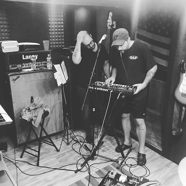 🧐... 🎤+🎹=🤖 #wednesdaywisdom * * * * @railroadparkrecordingco @kyletherrien  @joseph____manuel  #vocoder #sexy #robot #voice #tinystudiobigsound #gearporn #whisperroom #audioengineering #producerlife #novation #laney #fender #whisperroom #fingerlickinggood #producerlife #musicproducer #musicproduction #studiorecording #audioengineer #songwritersofinstagram #studiovibes #studiolife #nycband #pvdmusic #karisowen #synthpop #sing #rocknroll #indiemusic