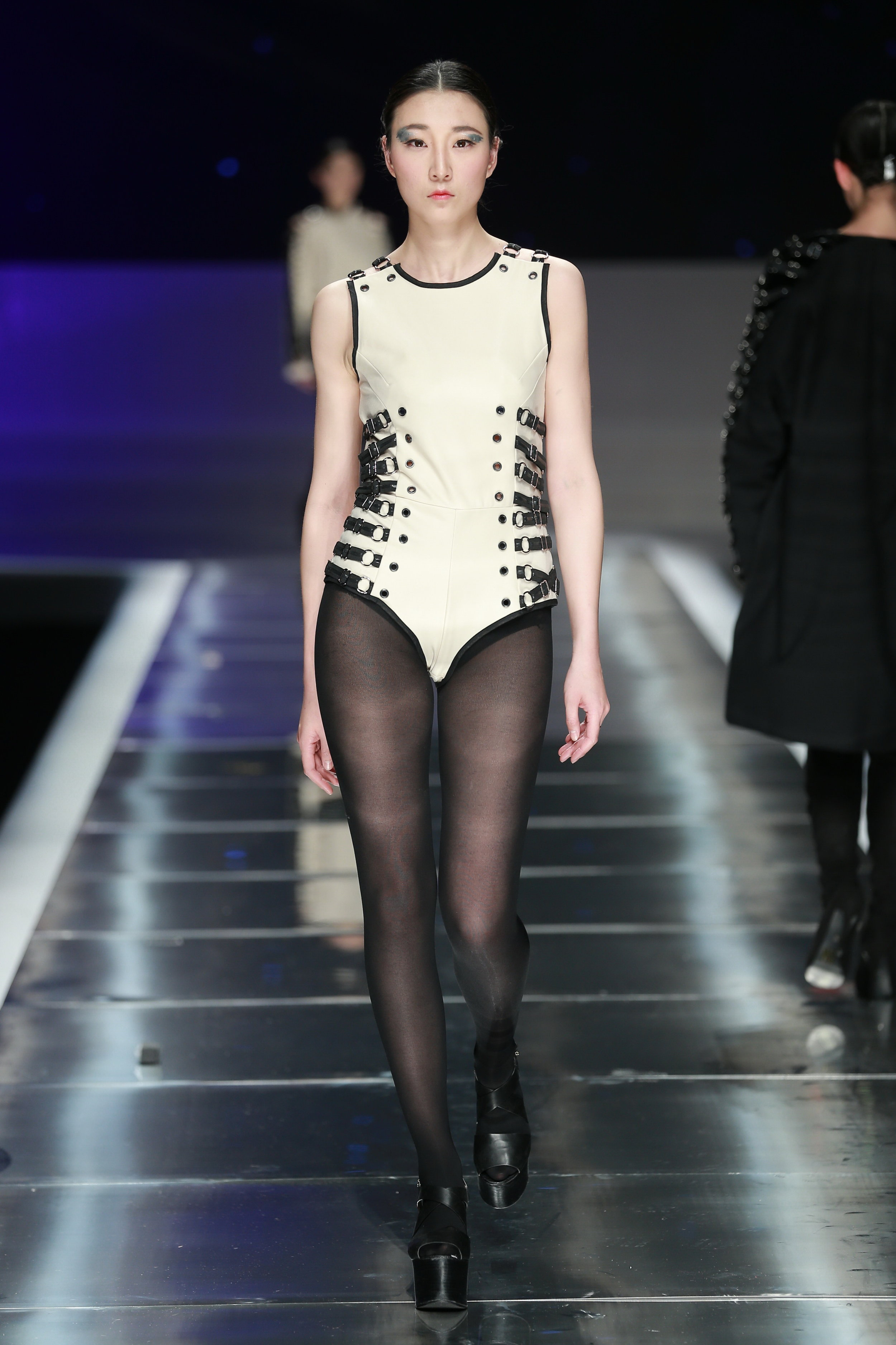 China-Look2-Overall-Award-Fashion-Week-Show.JPG