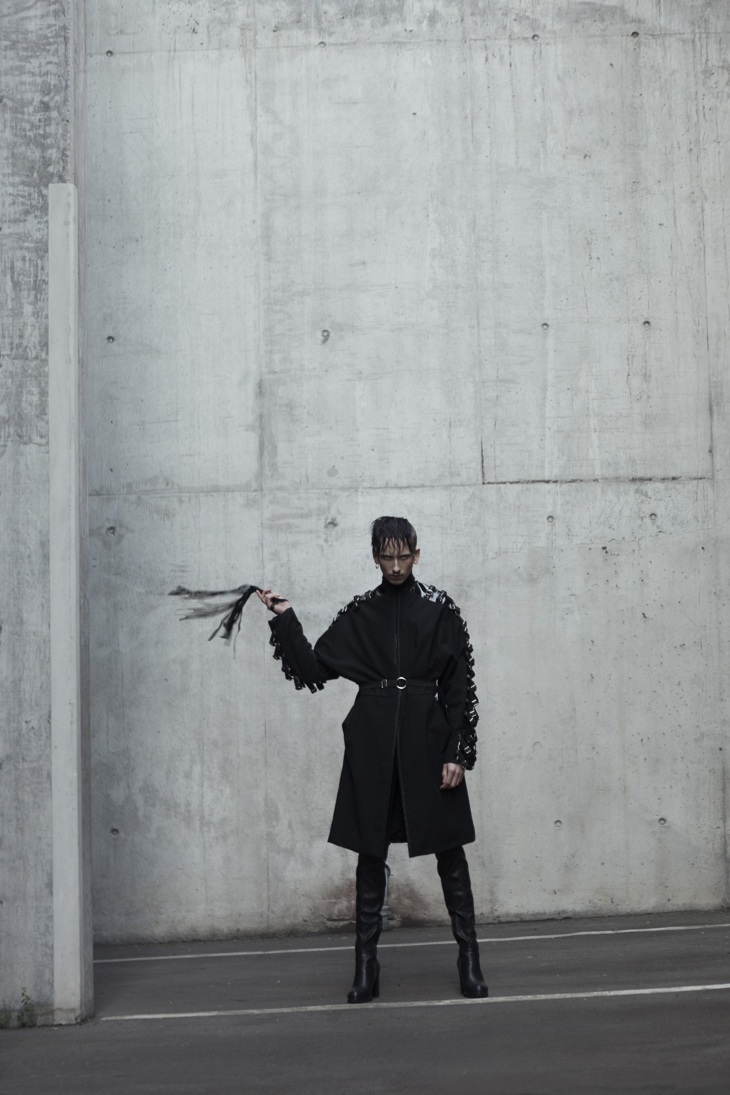coat-mantel-lack-ebru-berkiden-kleidung.jpg