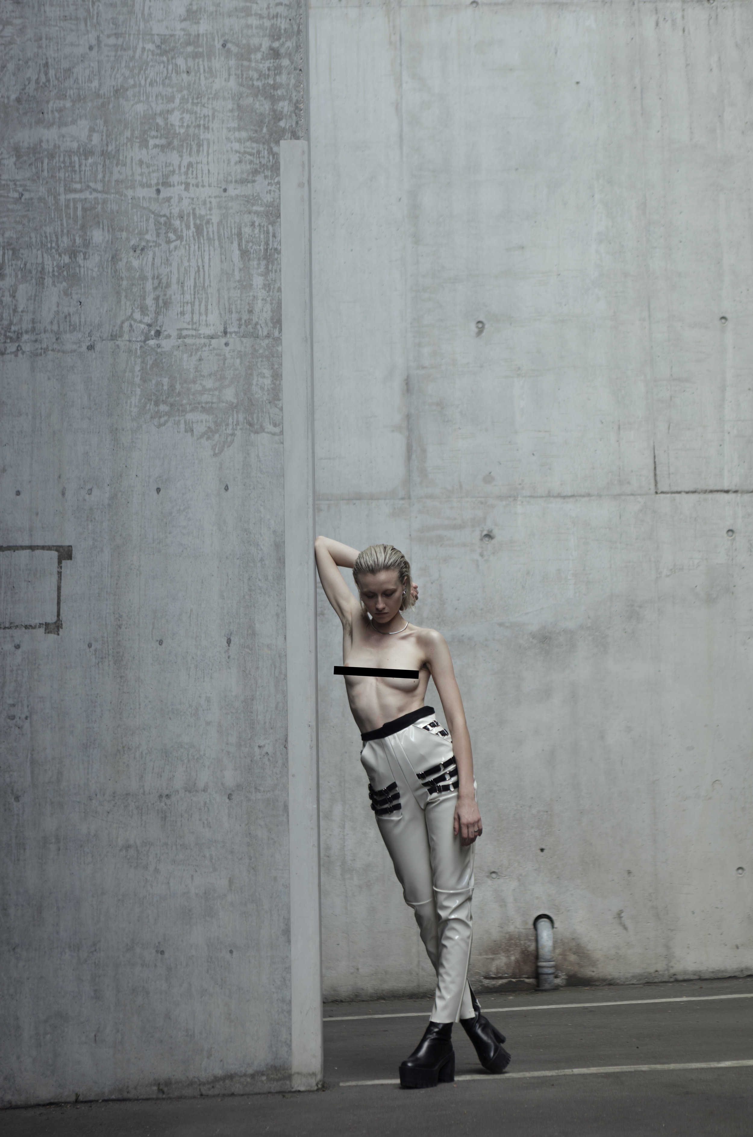 Hose-Trouser-High-Waist-Lack-Fashion-Mode.jpg