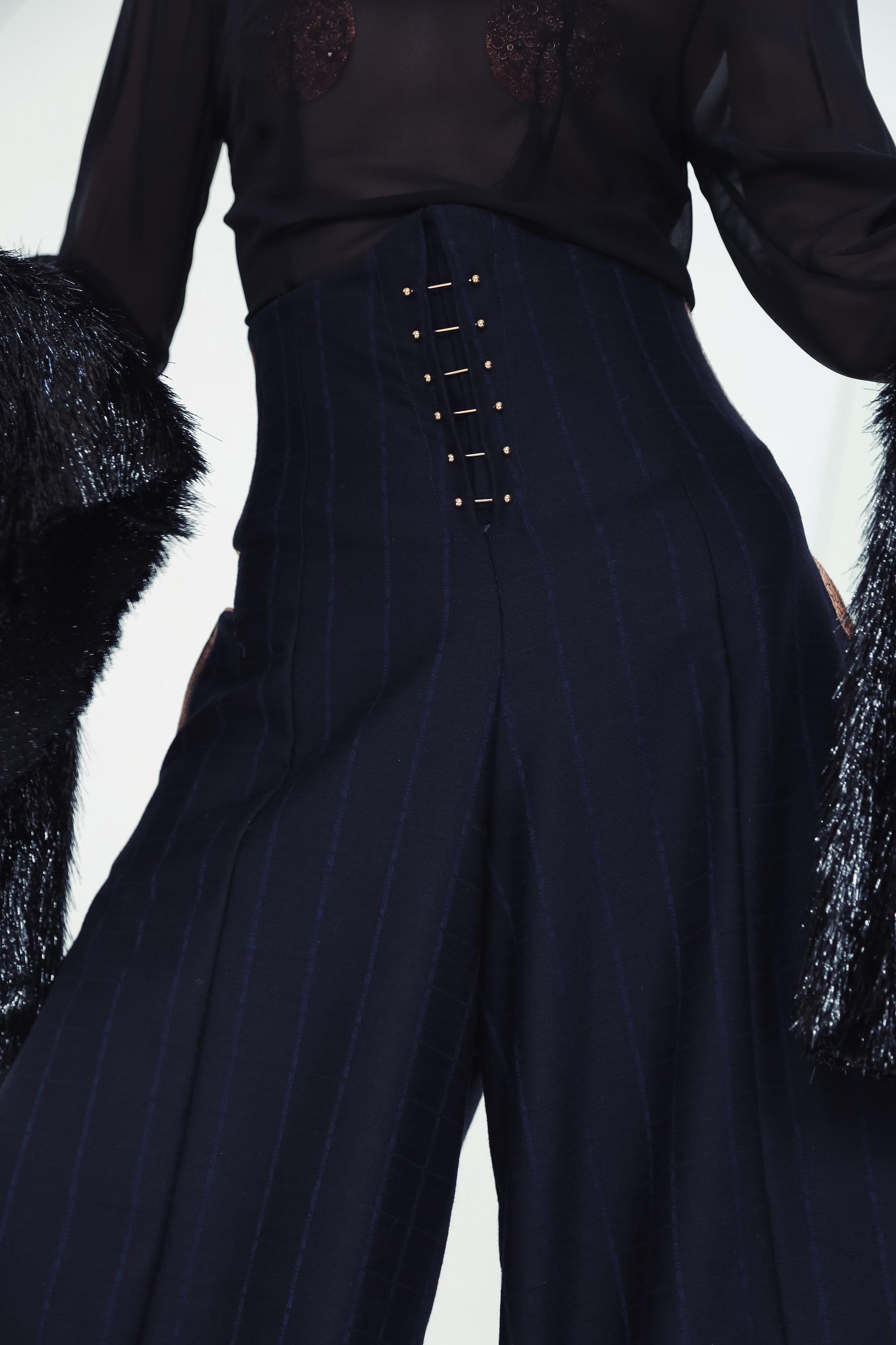 Marlene-Trouser-High-Waist-Piercing Kopie.jpg