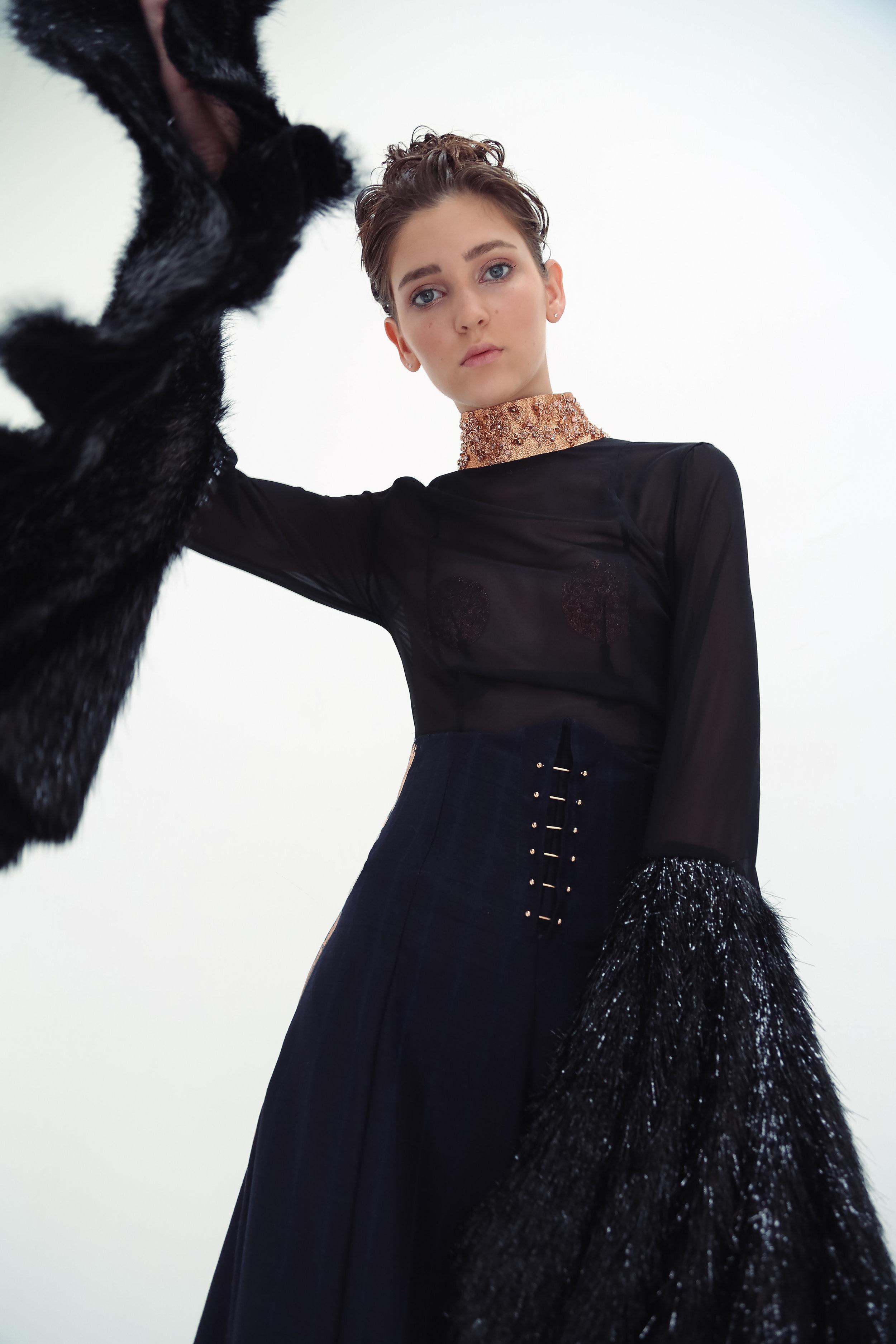 Marlene-Trouser-High-Waist-Piercing-Full Kopie.jpg