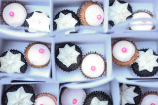 Cupcakes by   @gabriellemcba y.  Photo by JCi Creatives