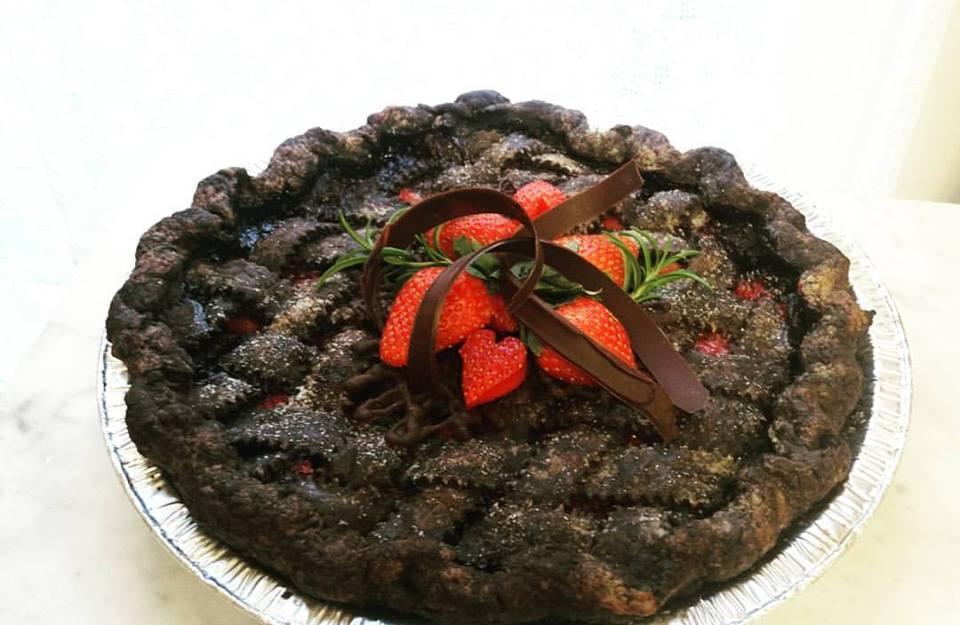 Strawberry with Dark Chocolate Lattice Crust