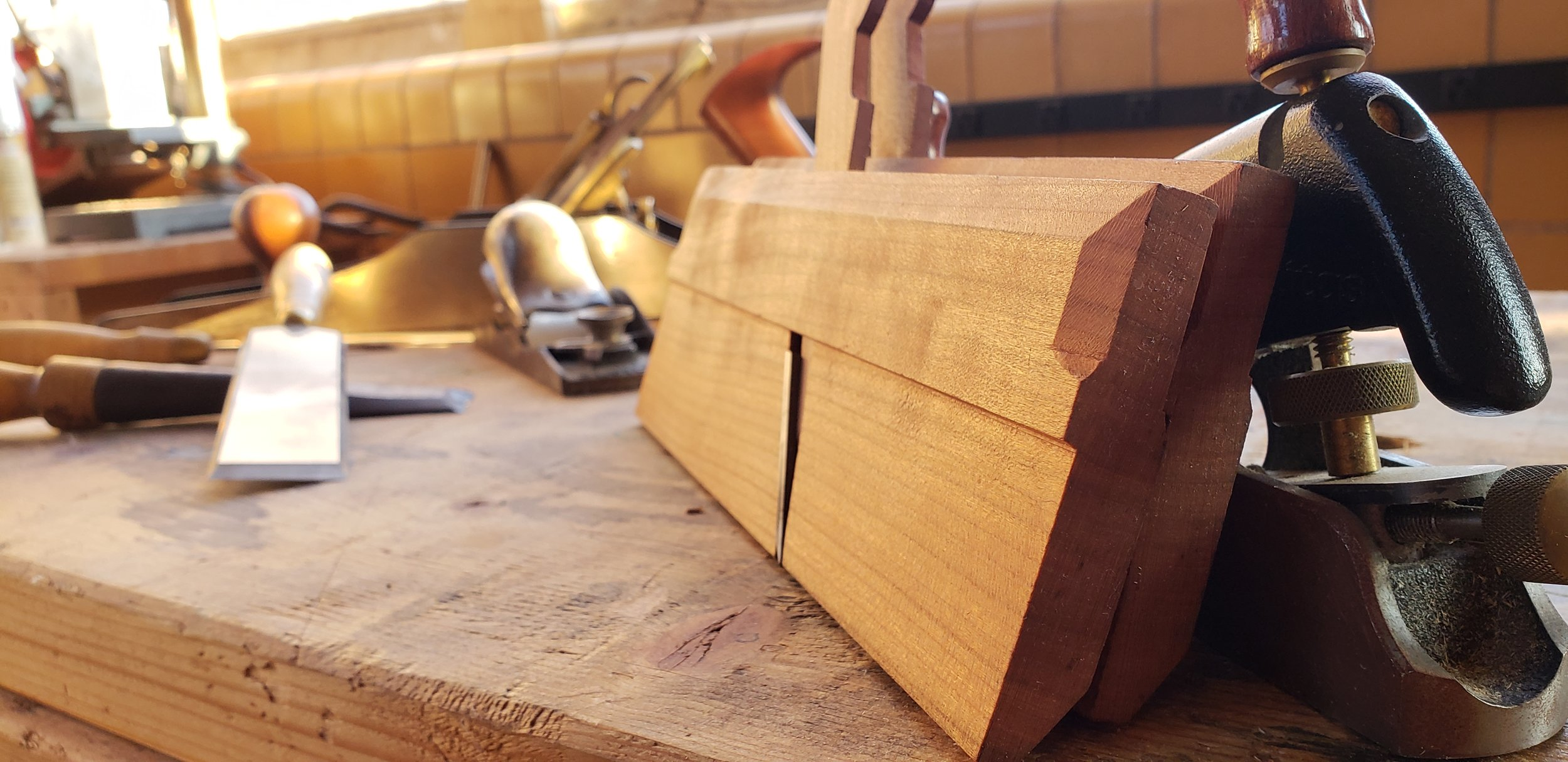 Hand tool woodworking classes and gift certificates