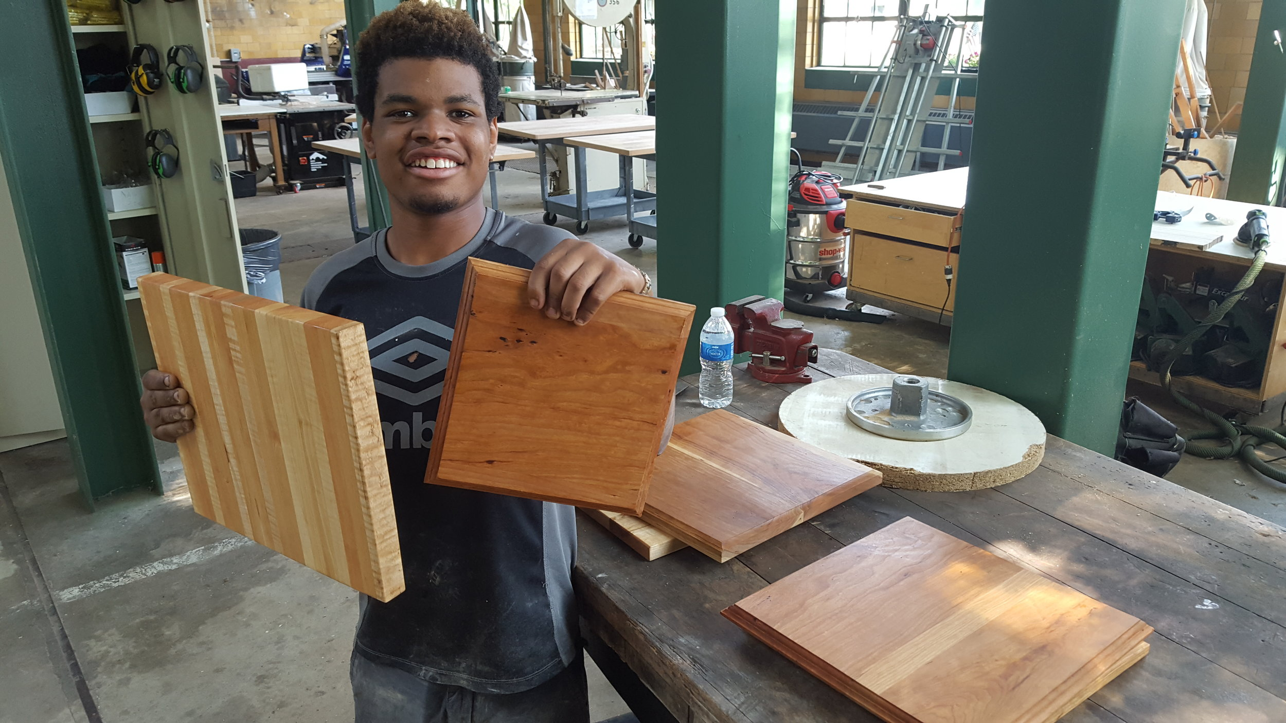 Cutting board woodworking classes - learn how to make a cutting board