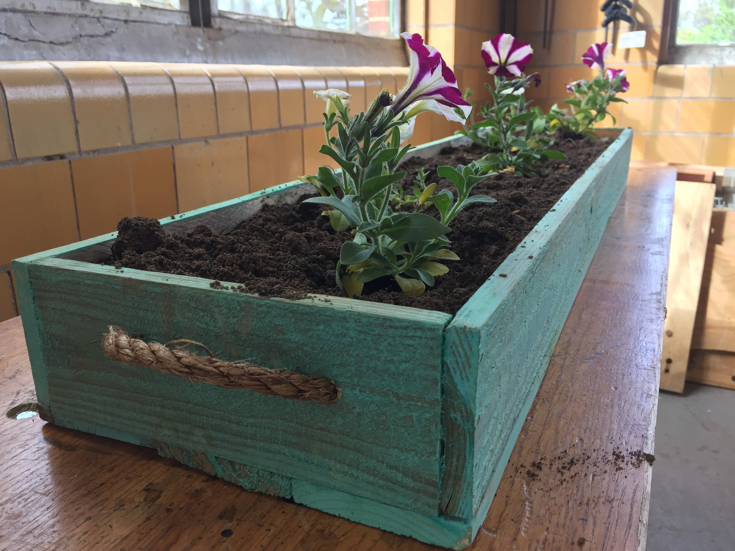 Pallet Wood Planter - Pinterest Woodworking Classes
