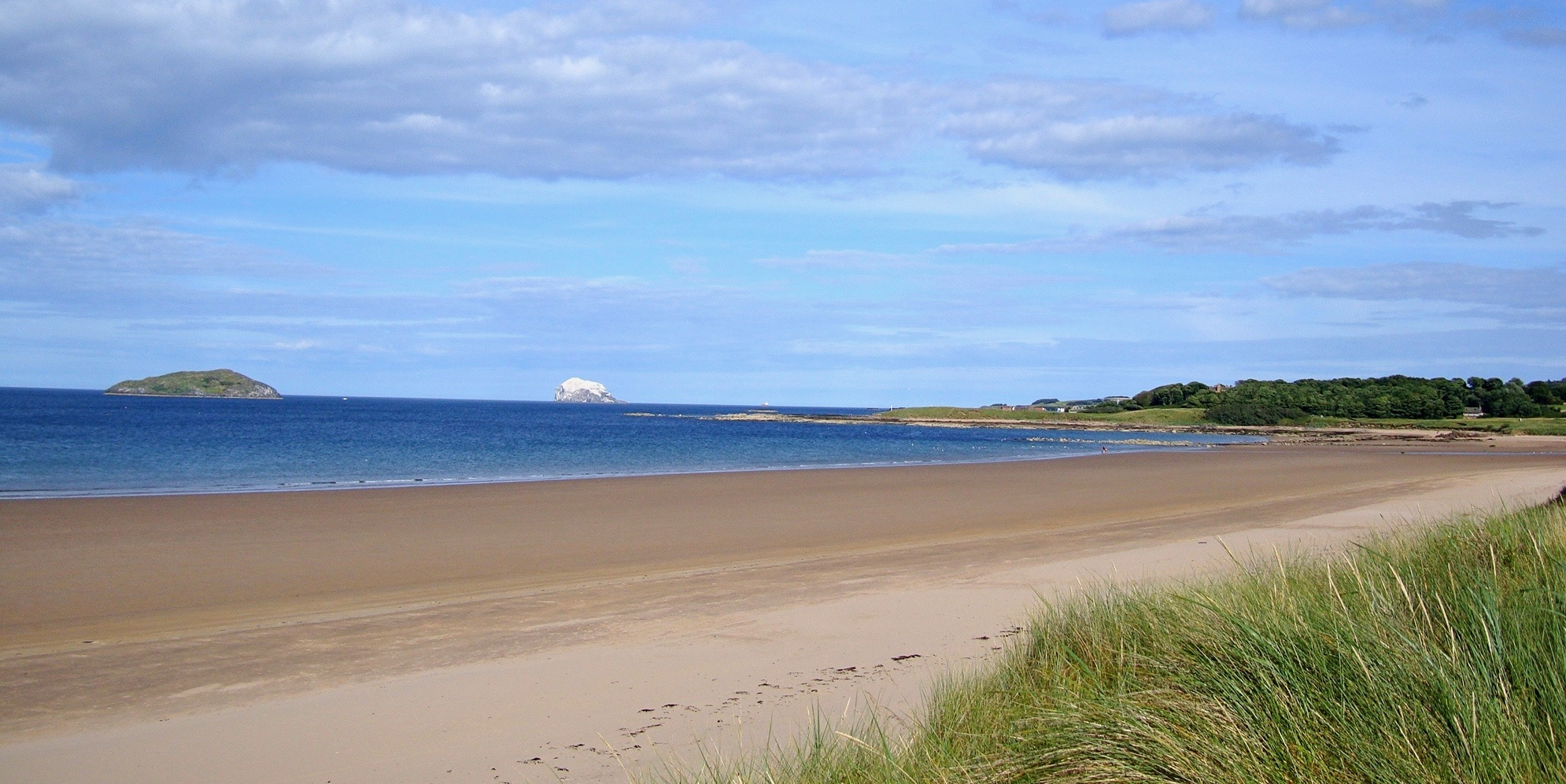 Magnificent beaches all along the golf course. You can walk for miles. Thats the famous Bass Rock in the back ground.