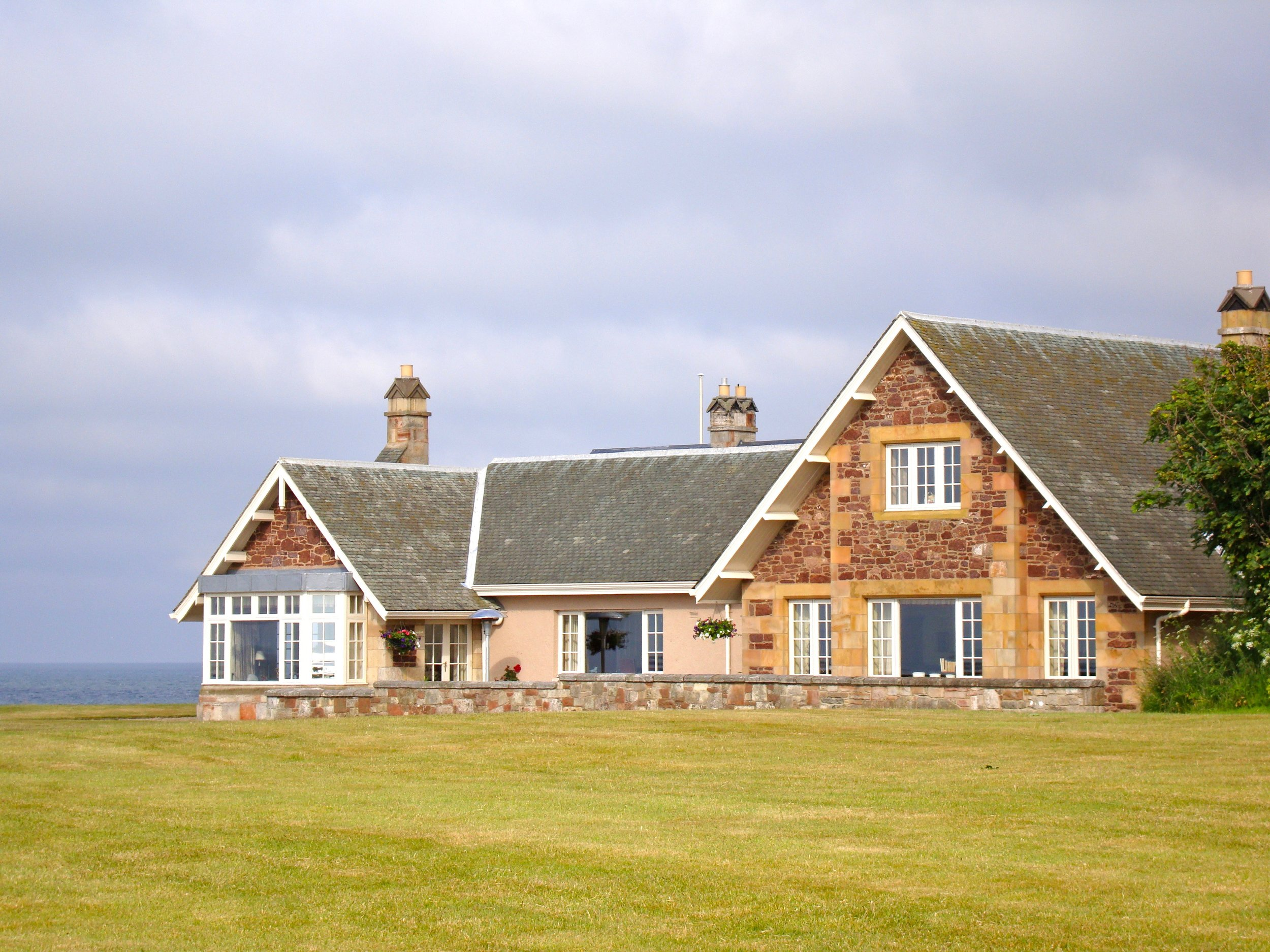 This house can be rented from Archerfield. It is sensational, sleeps 8 easily. Lovely location overlooking the firth and Fidra. We rented for my Mum's 80th birthday.