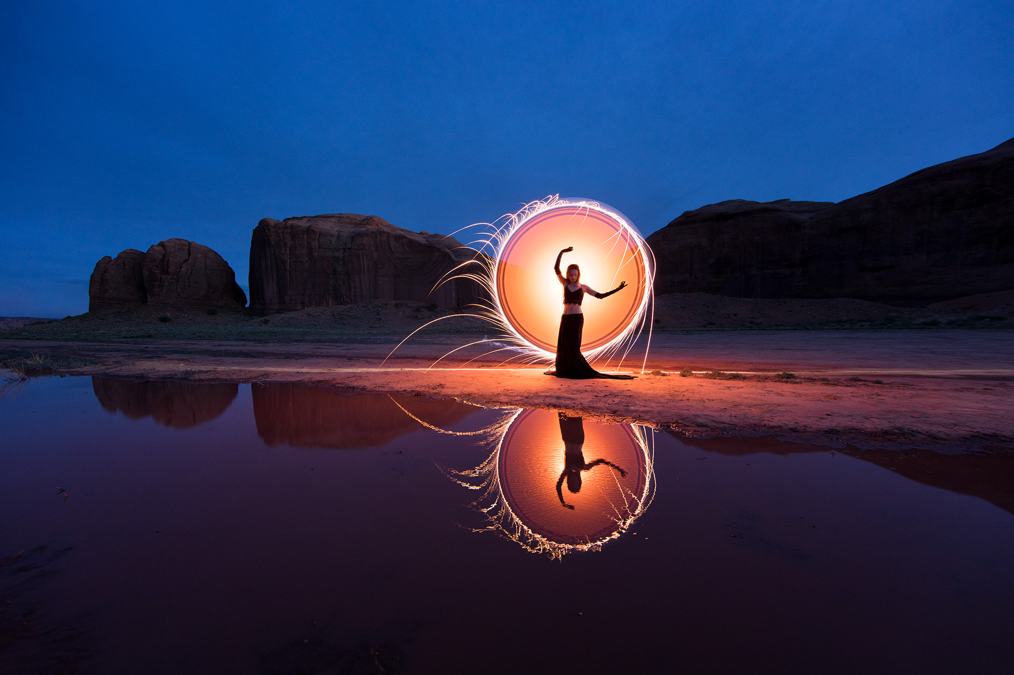 d4b4724-light-painting-kim-henry-eric-pare-arizona-reflection-tube-stories-2048-jpg-yc8n.jpg