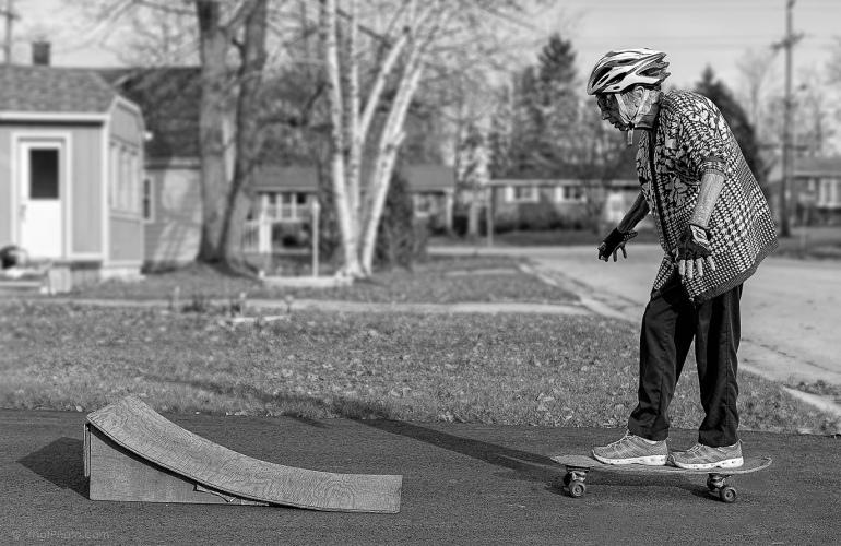 lucianiskateboardingweb.jpg