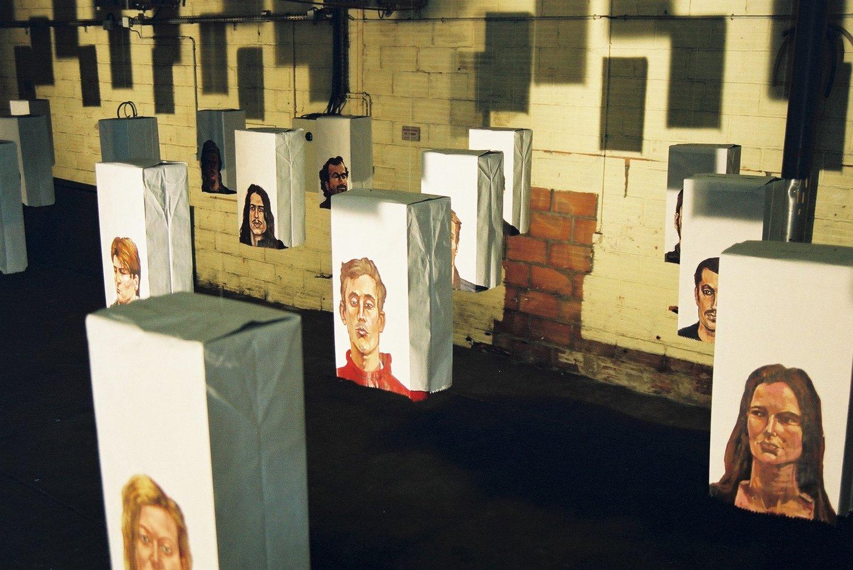 portraits-sur-sacs-en-papier_contact_00.jpg