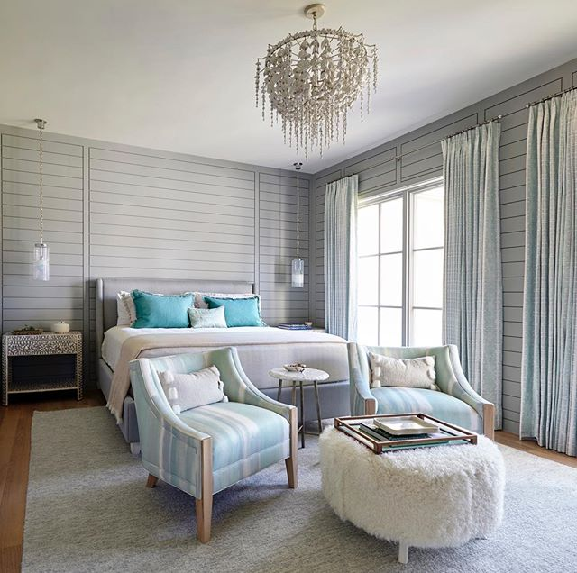 Guest bedroom #paneled #texture #muranoglass  #tracyhardenburgdesigns  Photo @parbengtsson1